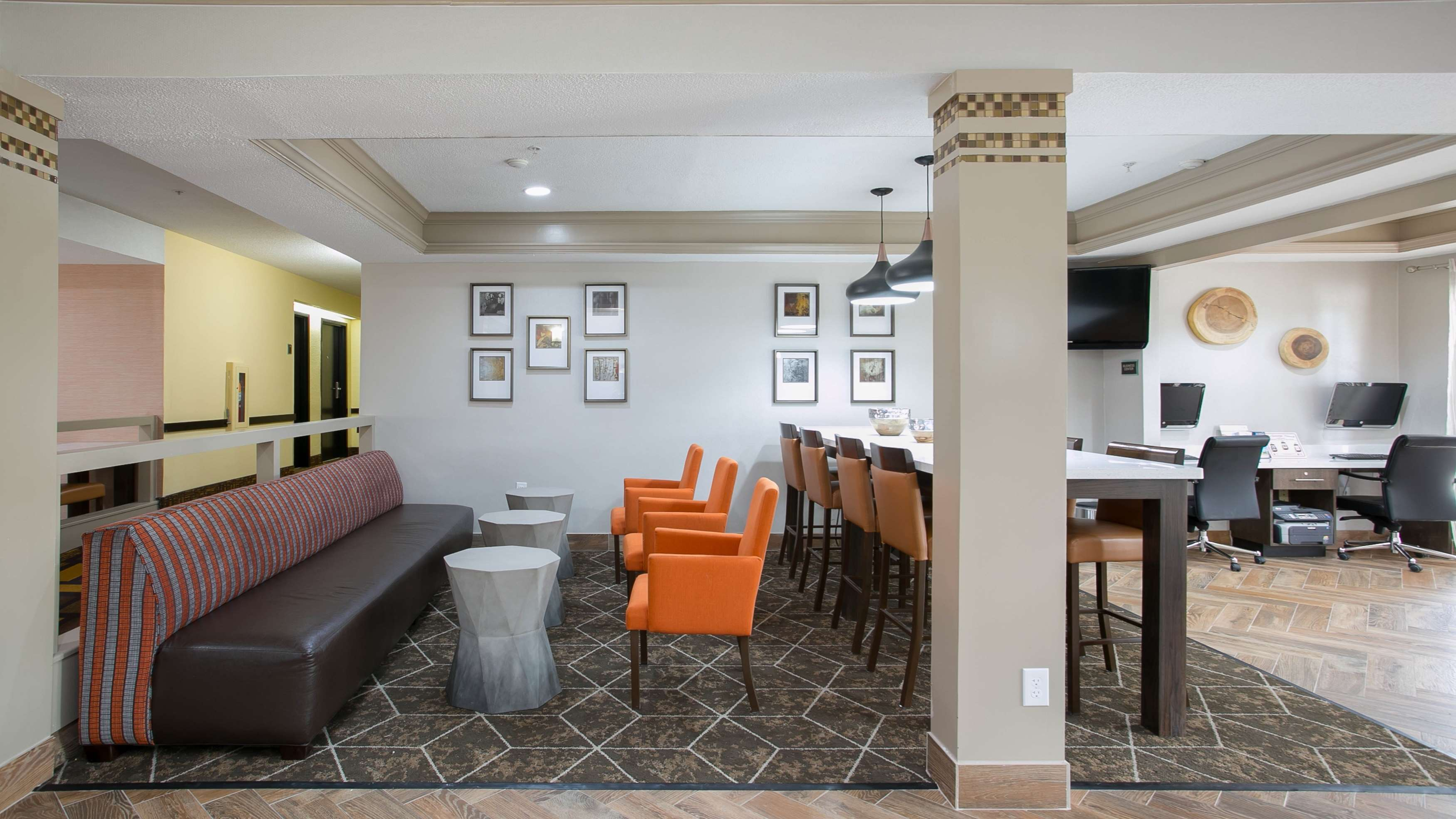 Best Western Plus Addison/Dallas Hotel image 4