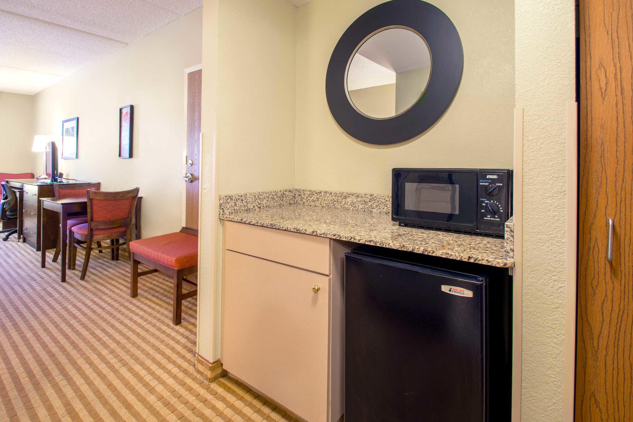 Comfort Suites Near Universal Orlando Resort image 10