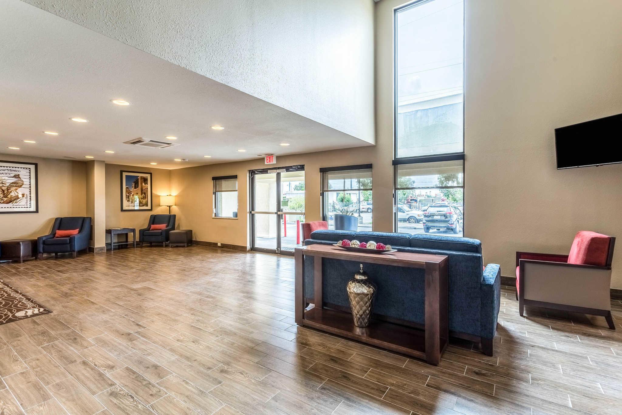 Comfort Inn & Suites Albuquerque Downtown image 6