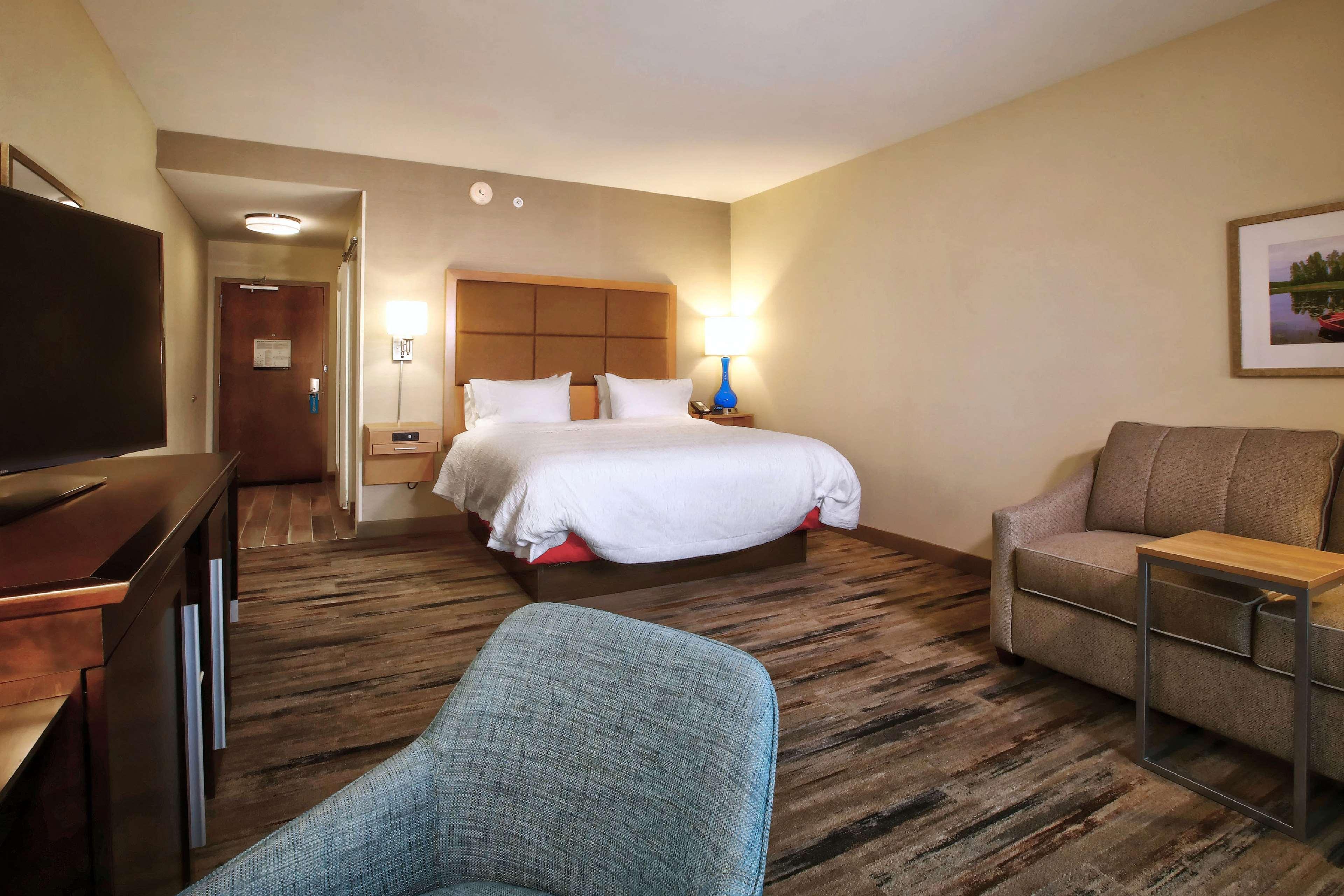 Hampton Inn & Suites Baltimore/Aberdeen image 14