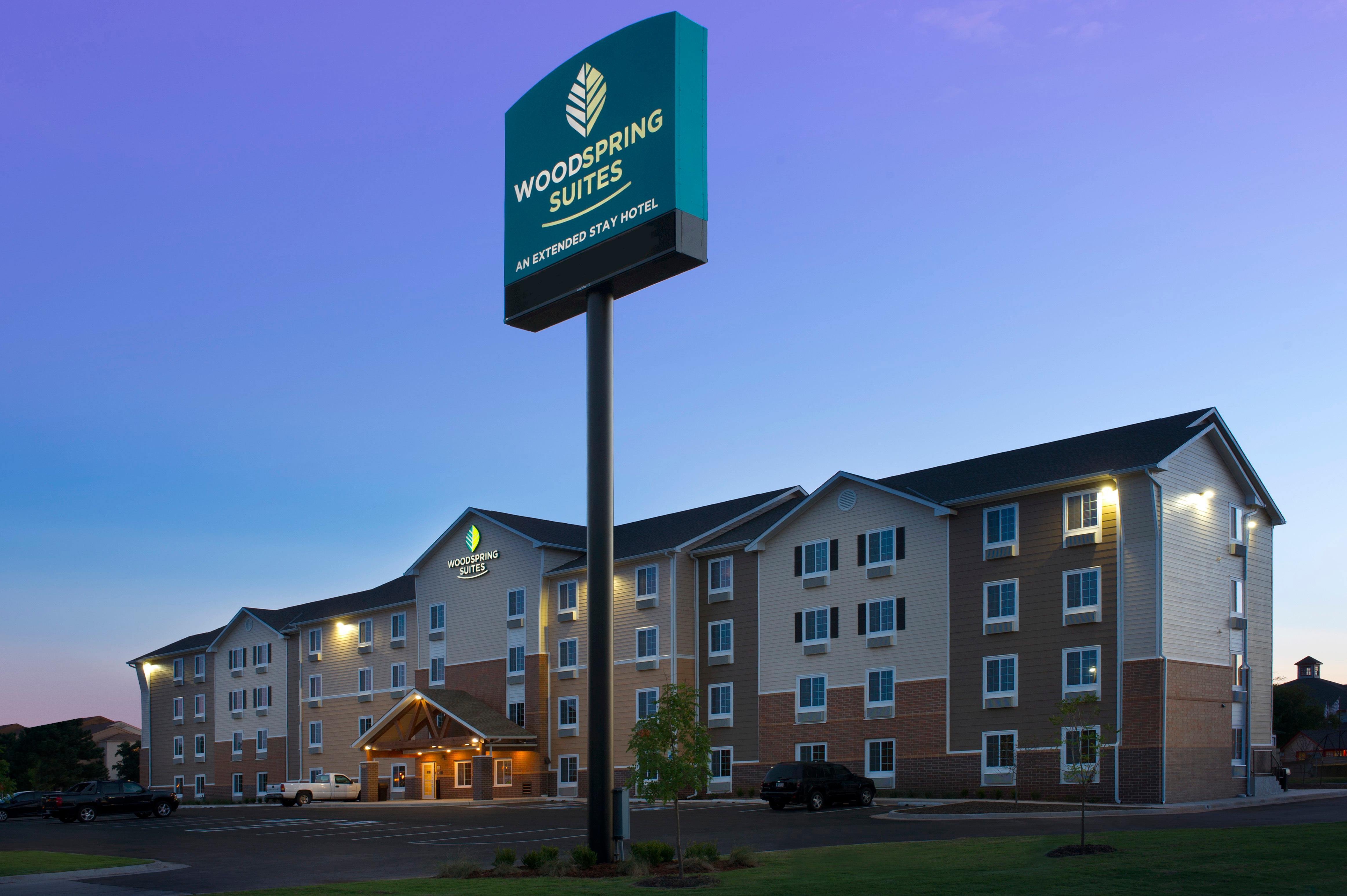 WoodSpring Suites Oklahoma City Airport image 1