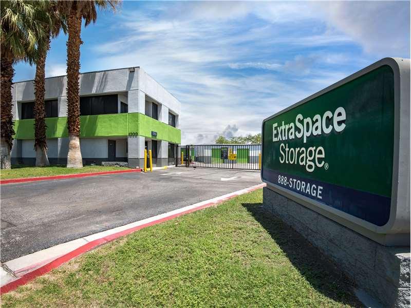 Extra Space Storage image 0