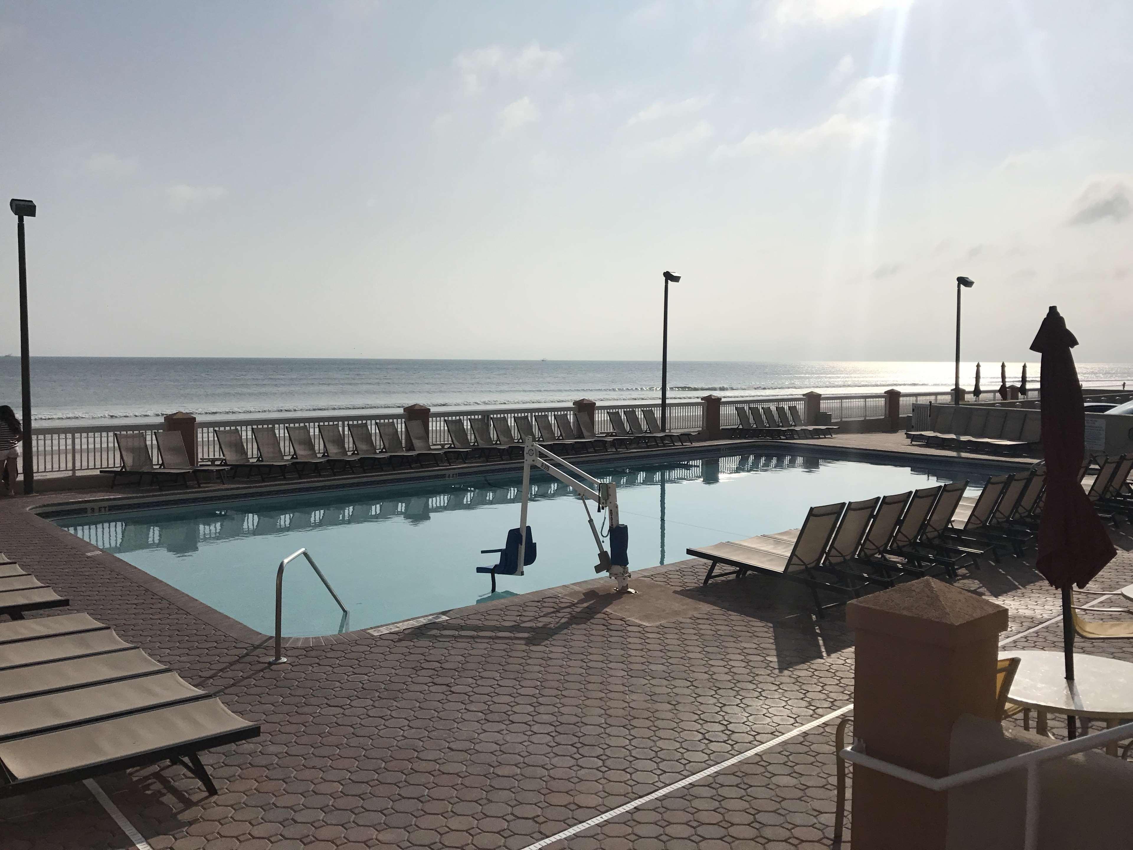 Hampton Inn Daytona Shores-Oceanfront image 5