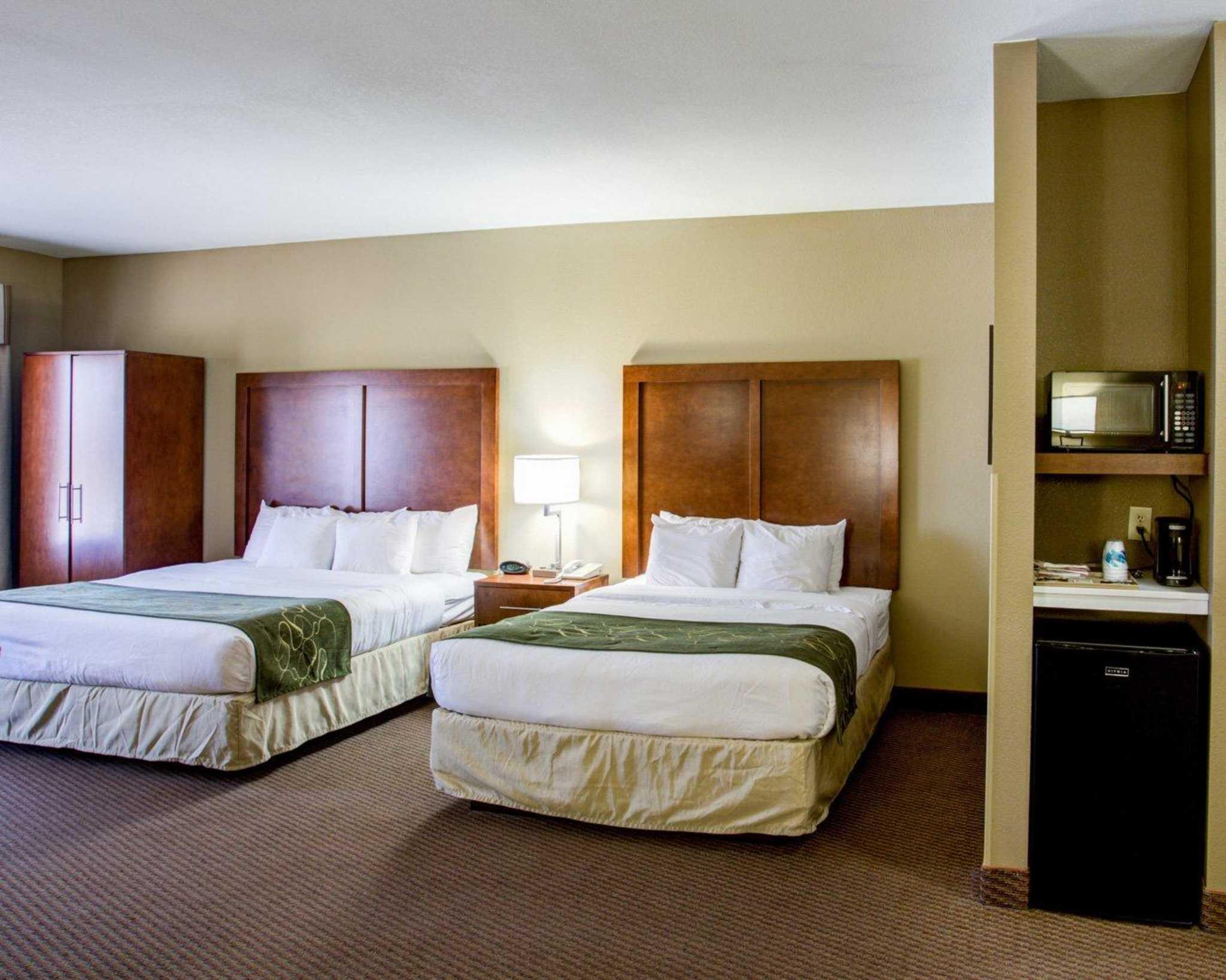 Comfort Suites image 16