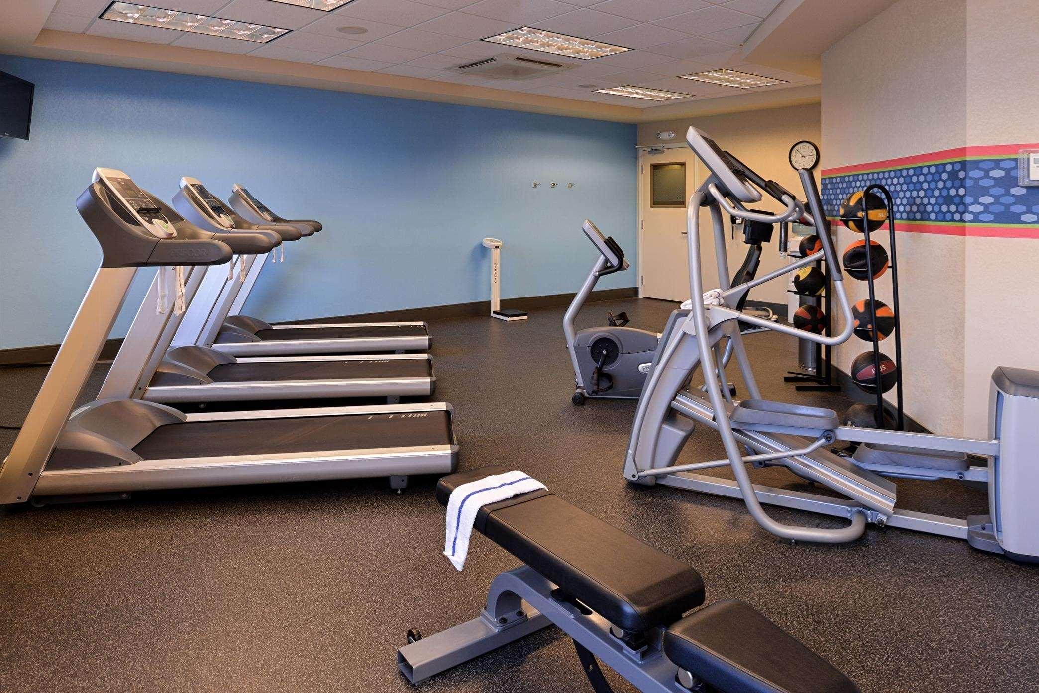 Hampton Inn & Suites Casper image 45