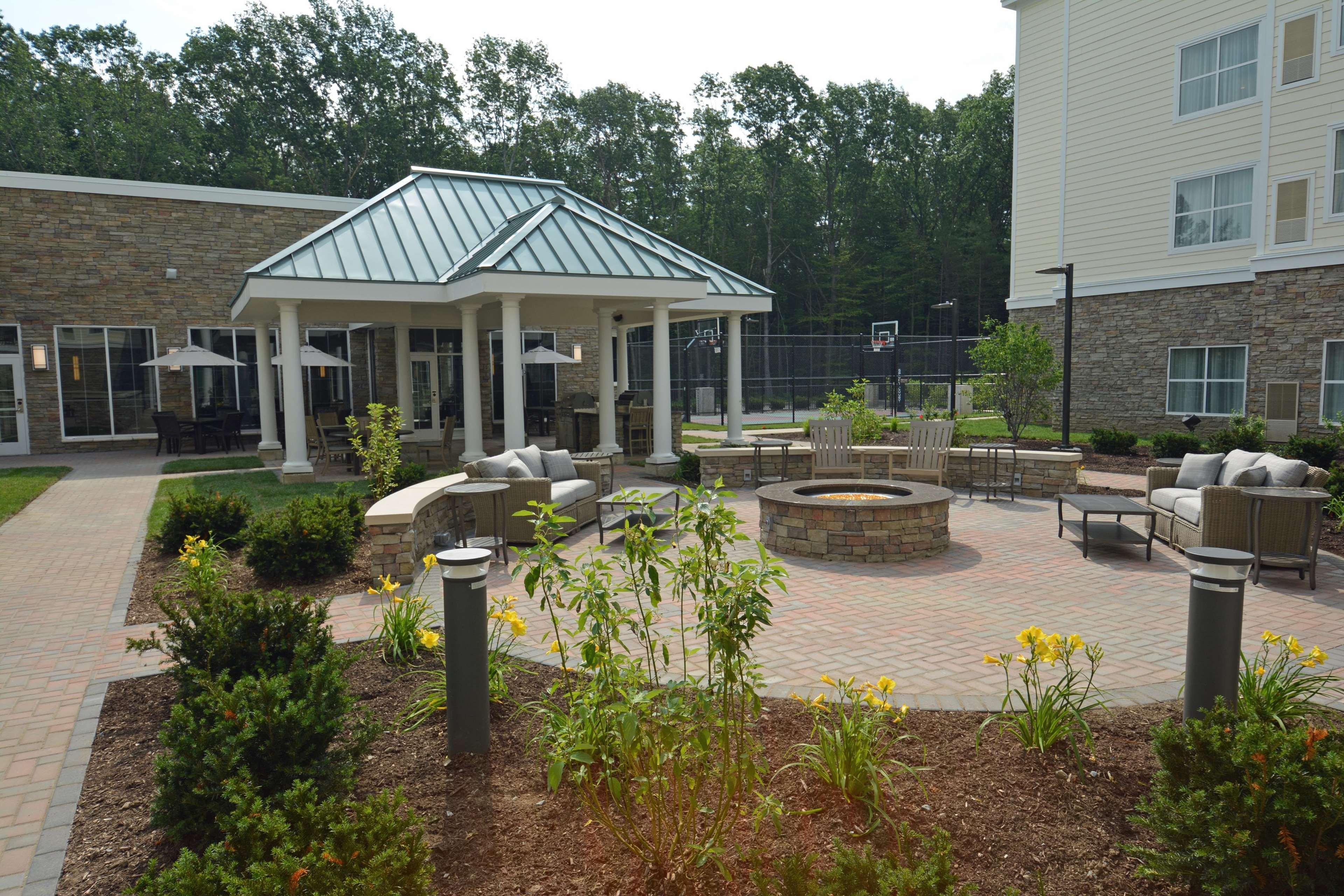 Homewood Suites by Hilton Saratoga Springs image 3