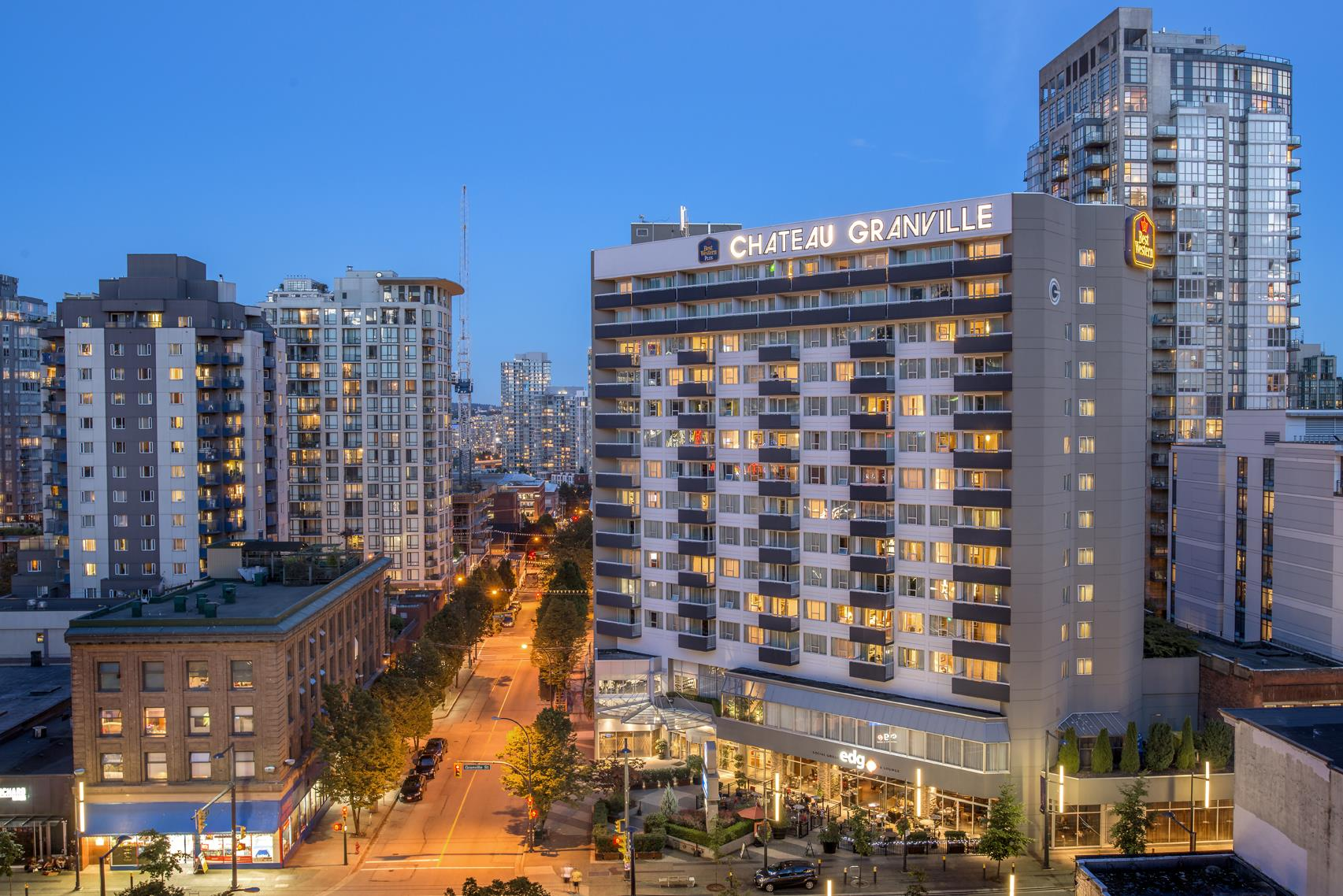 Best Western Plus Chateau Granville Hotel & Suites & Conference Ctr. in Vancouver: Hotel Exterior - Helmcken Street View