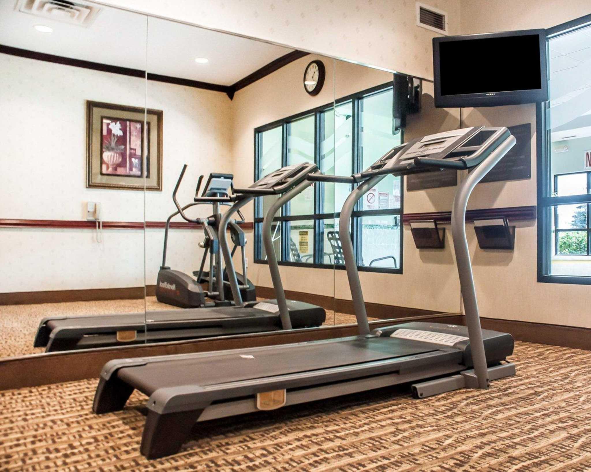 Comfort Inn Near Walden Galleria Mall image 34