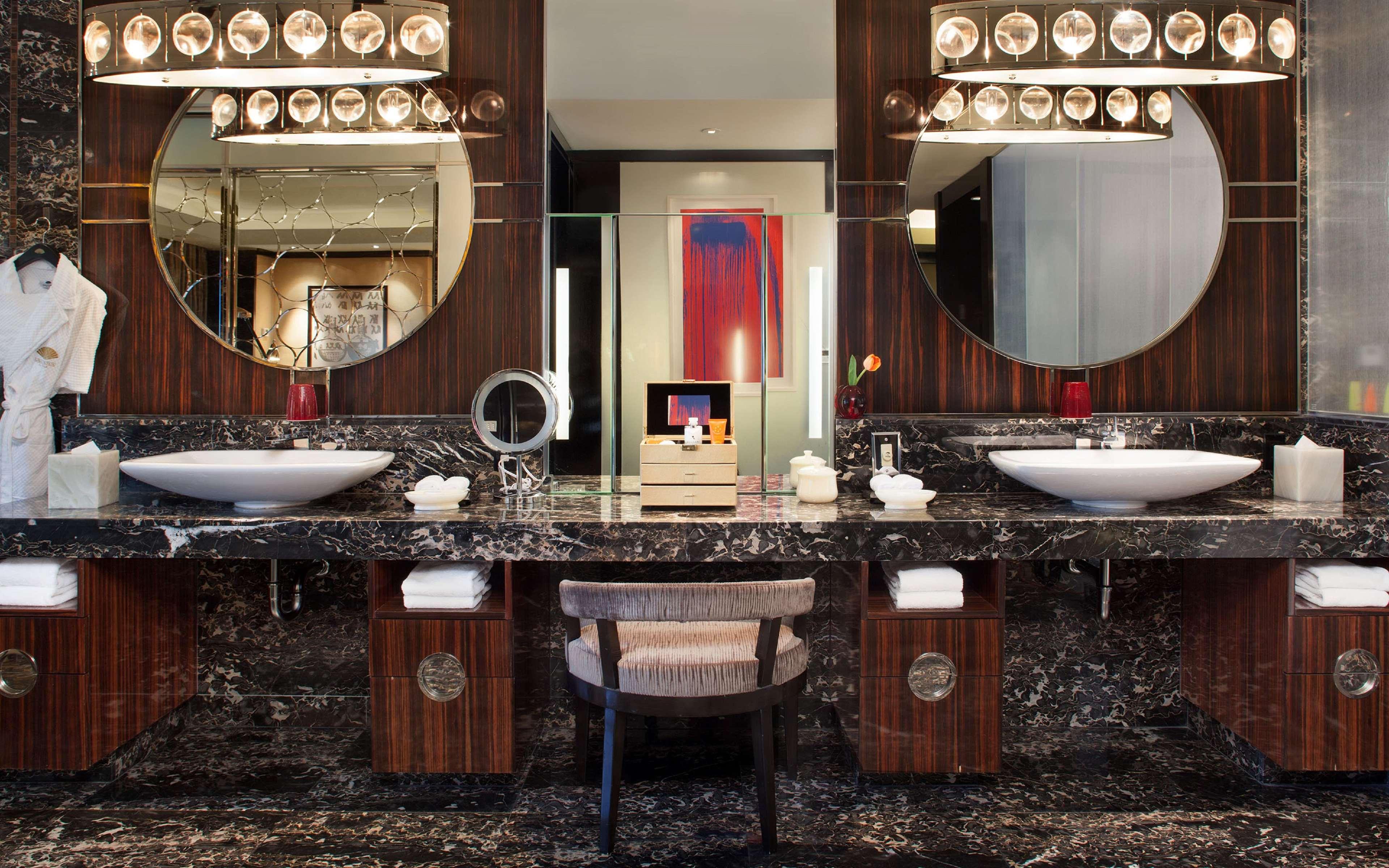 Waldorf Astoria Las Vegas image 40