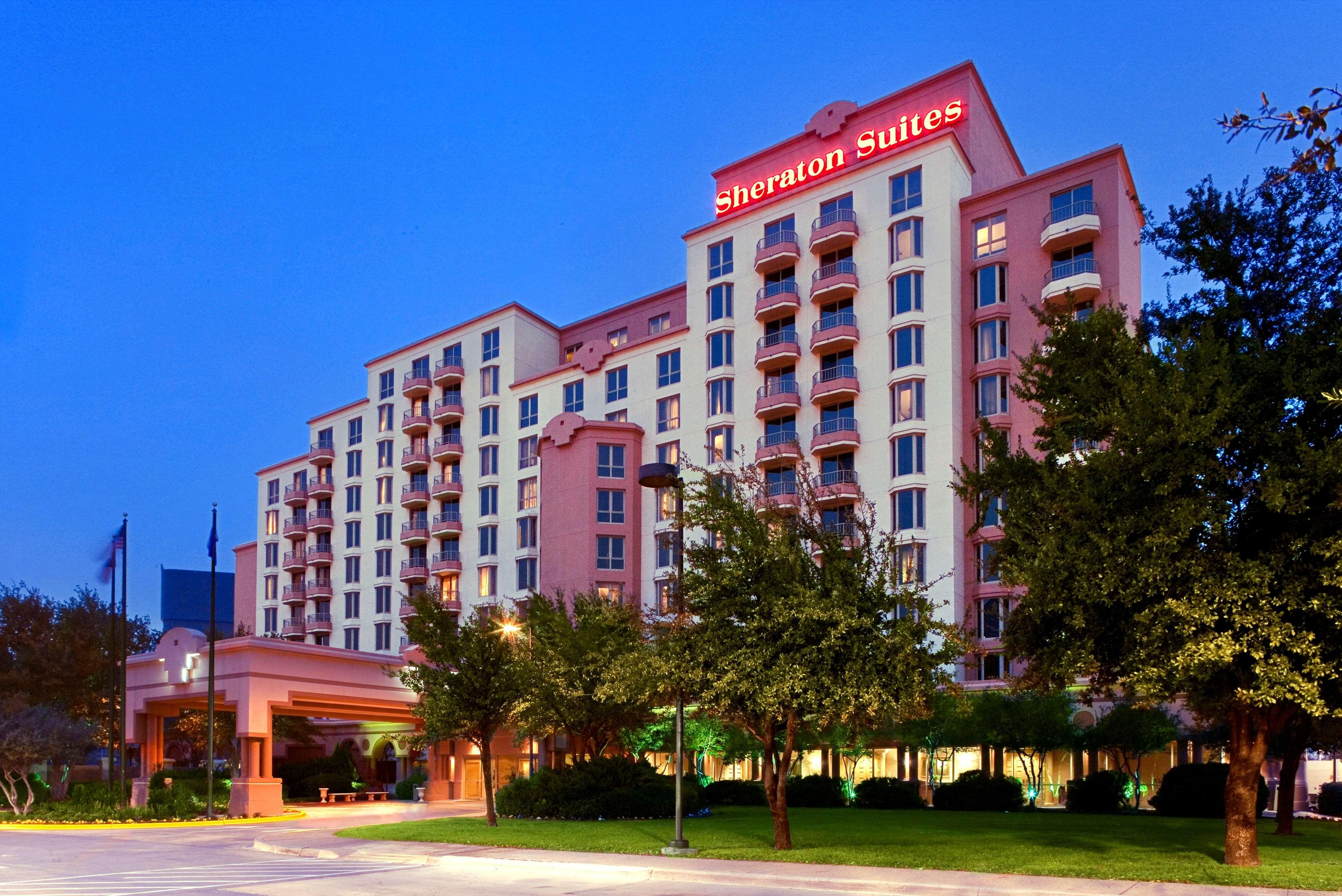 Sheraton Suites Market Center Dallas image 0