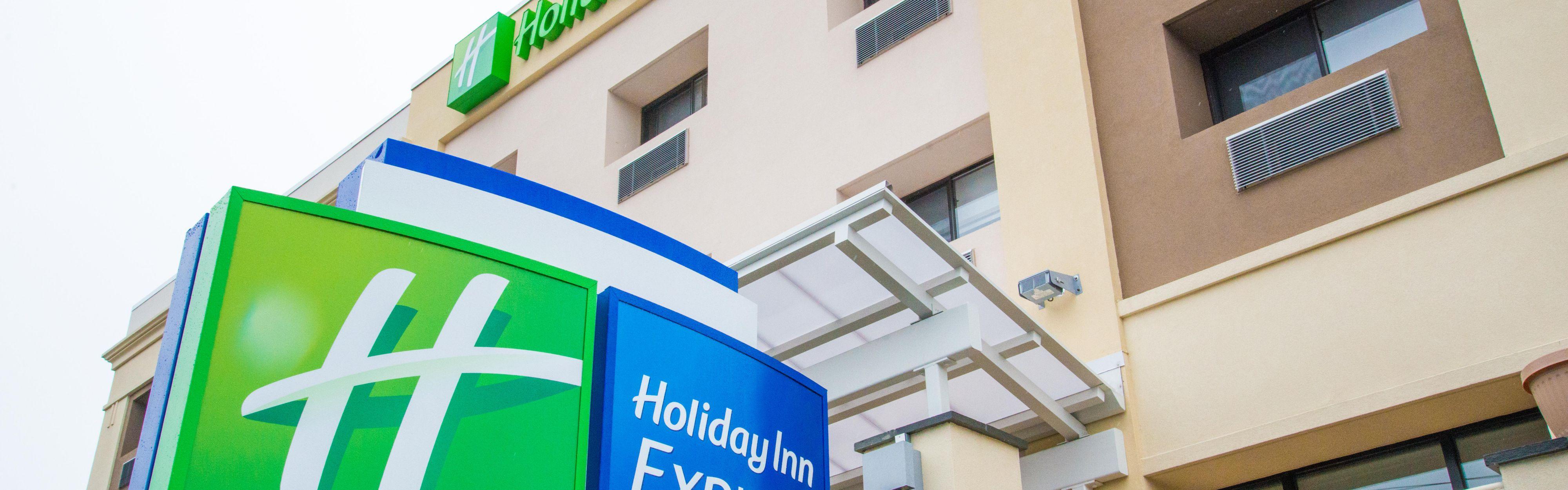 Holiday Inn Express Roslyn - Long Island image 0