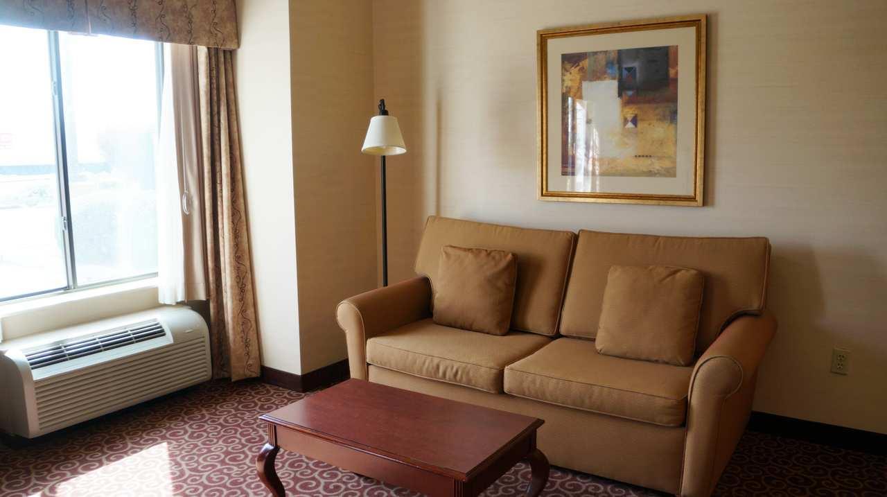 Hampton Inn & Suites Kingman image 13