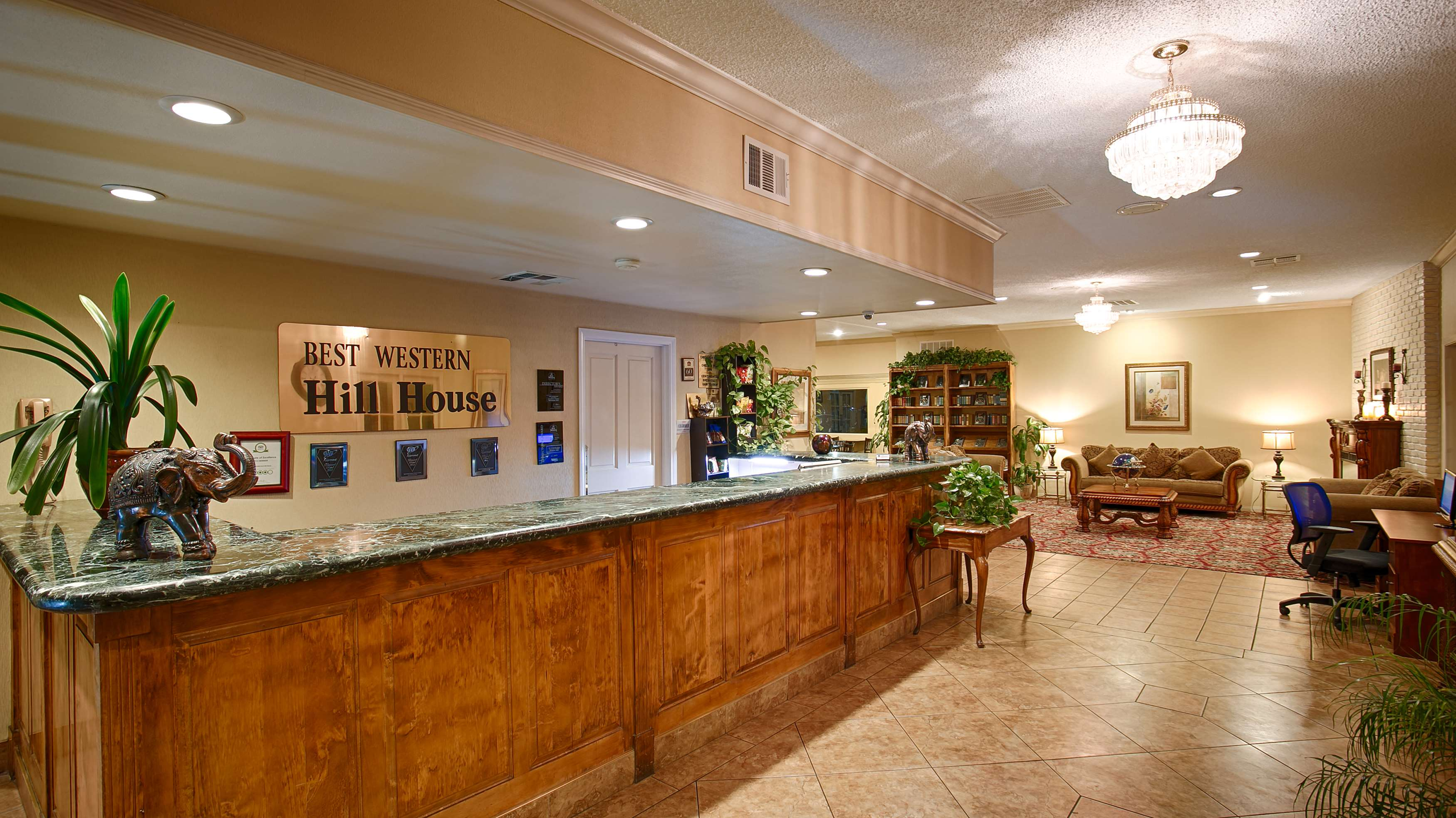 Best western plus hill house at 700 truxtun ave for Golden state motors bakersfield