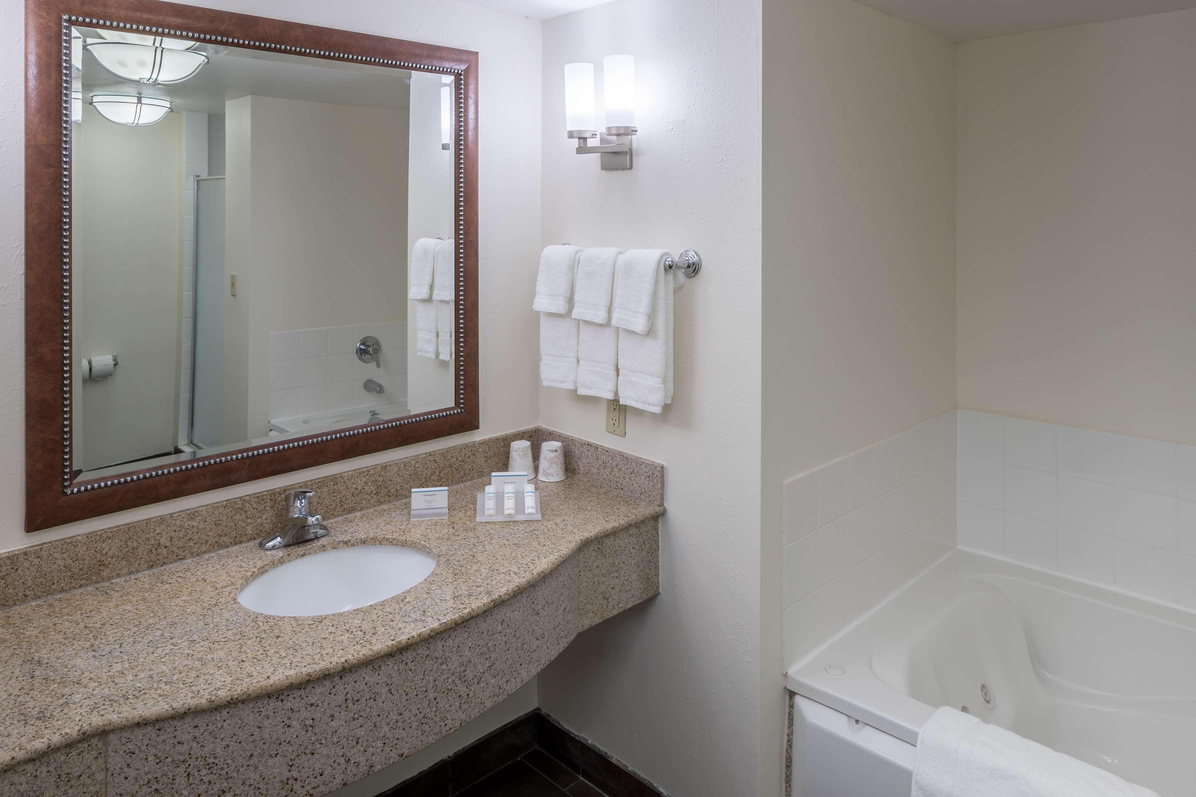Hilton Garden Inn Lafayette/Cajundome image 13