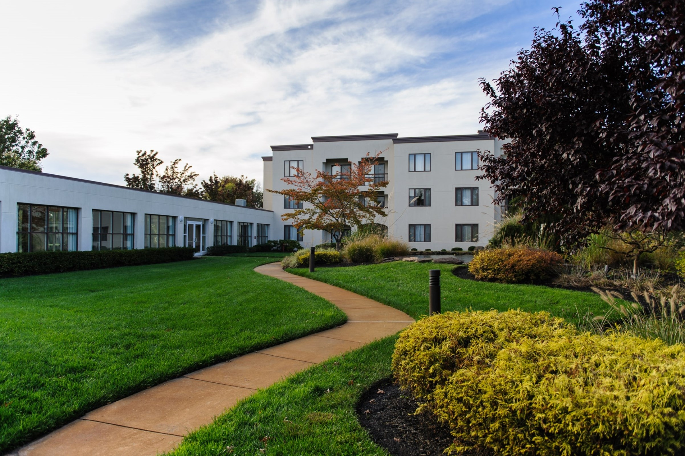 Doubletree suites by hilton hotel mt laurel in mount for Hotels 08054