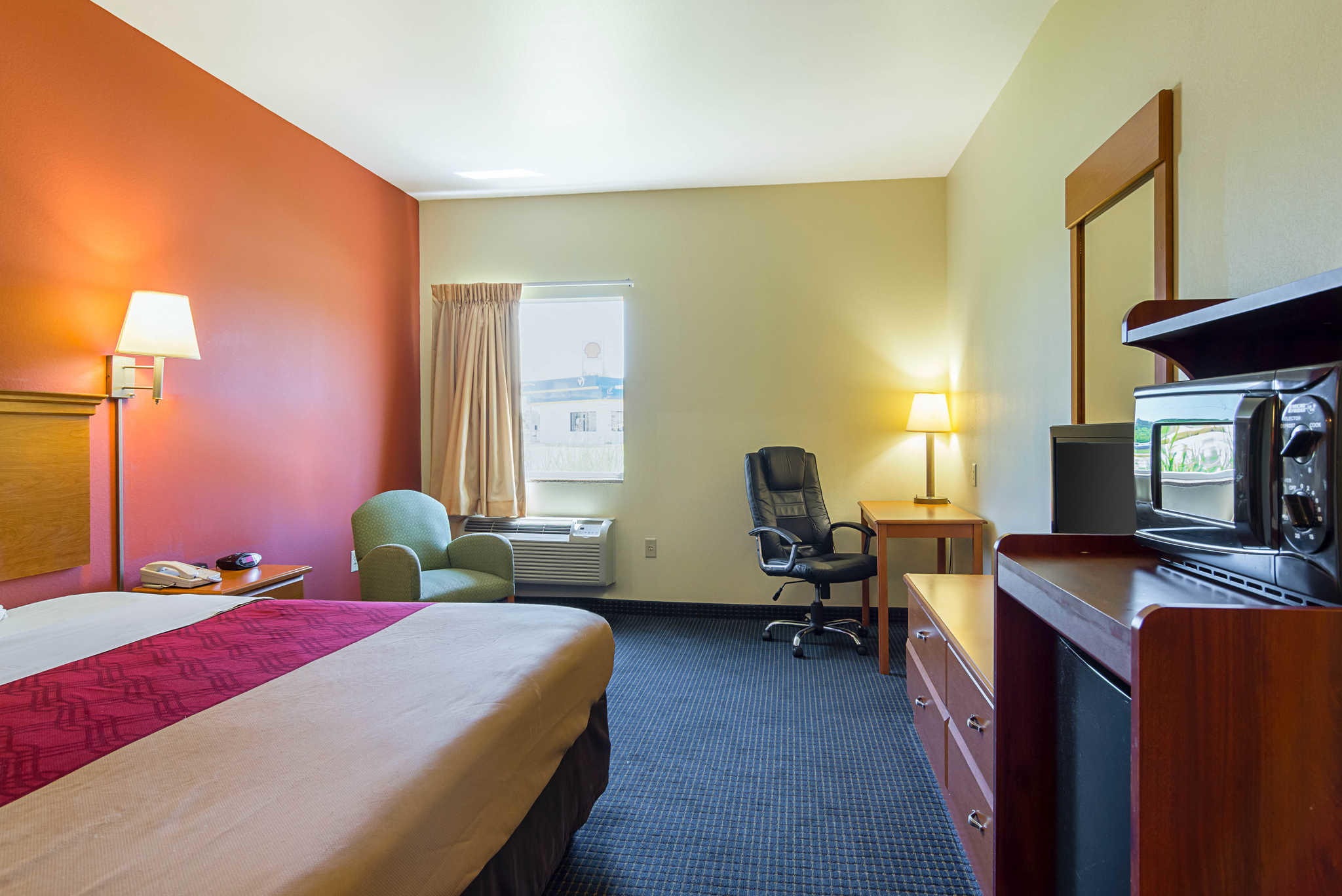 Econo Lodge Inn & Suites Pritchard Road North Little Rock image 19