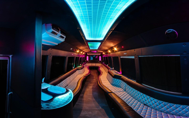 S & S Limousines image 6