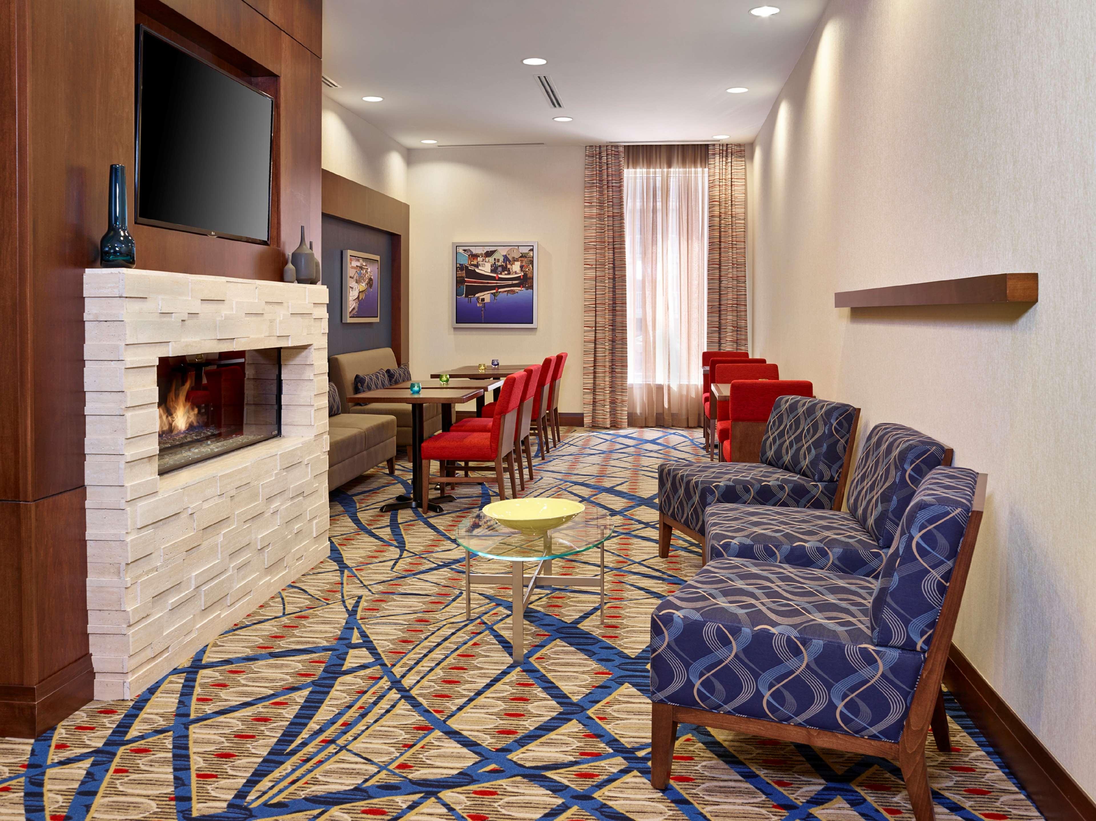 Hampton Inn by Hilton Halifax Downtown in Halifax: Reception