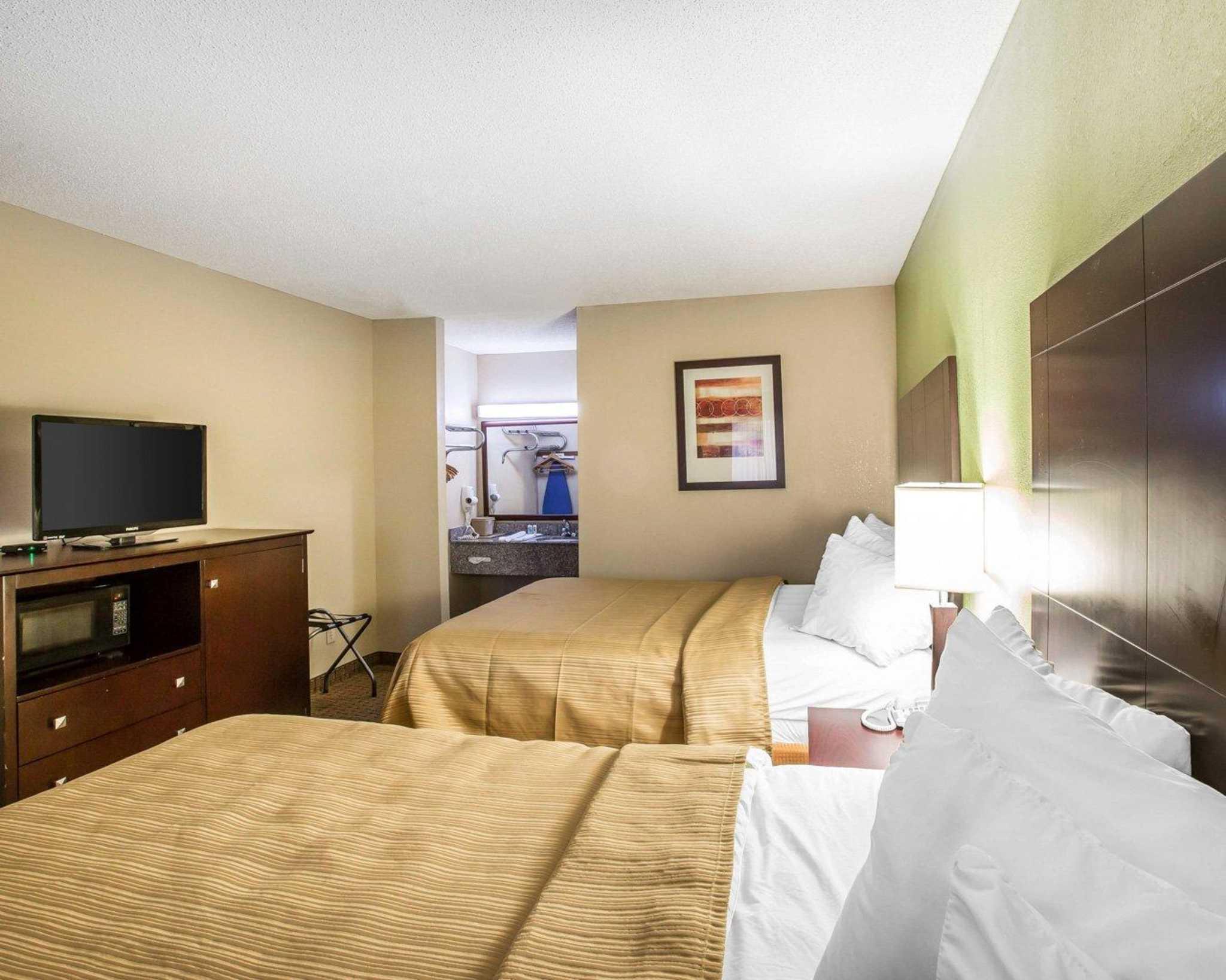 Quality Inn & Suites Dublin image 9