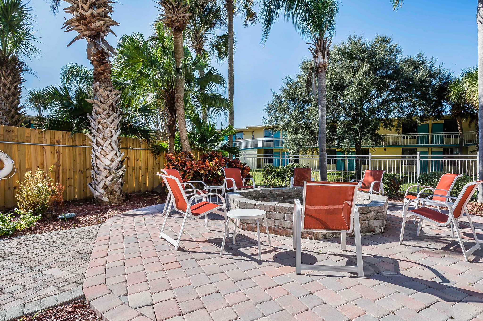 Clarion Hotel Orlando International Airport image 18