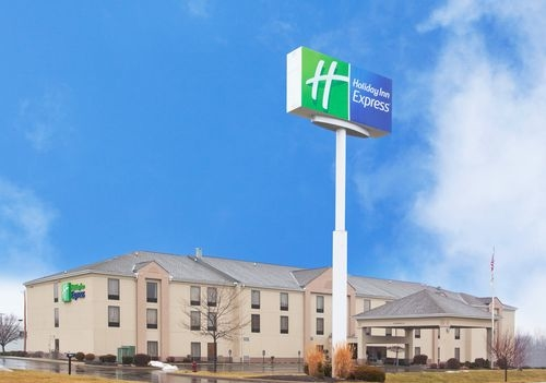 holiday inn express wilmington in wilmington oh 45177. Black Bedroom Furniture Sets. Home Design Ideas