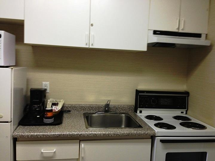 Canadas Best Value Inn in Kamloops: Kitchen
