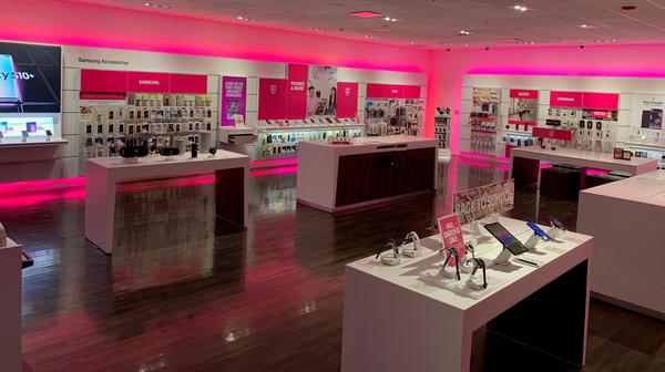 T Mobile Store At 15465 W Mcdowell Rd Suite 107 Goodyear Az T