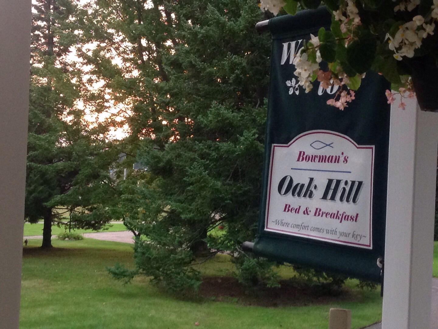 Bowman's Oak Hill Bed and Breakfast image 0