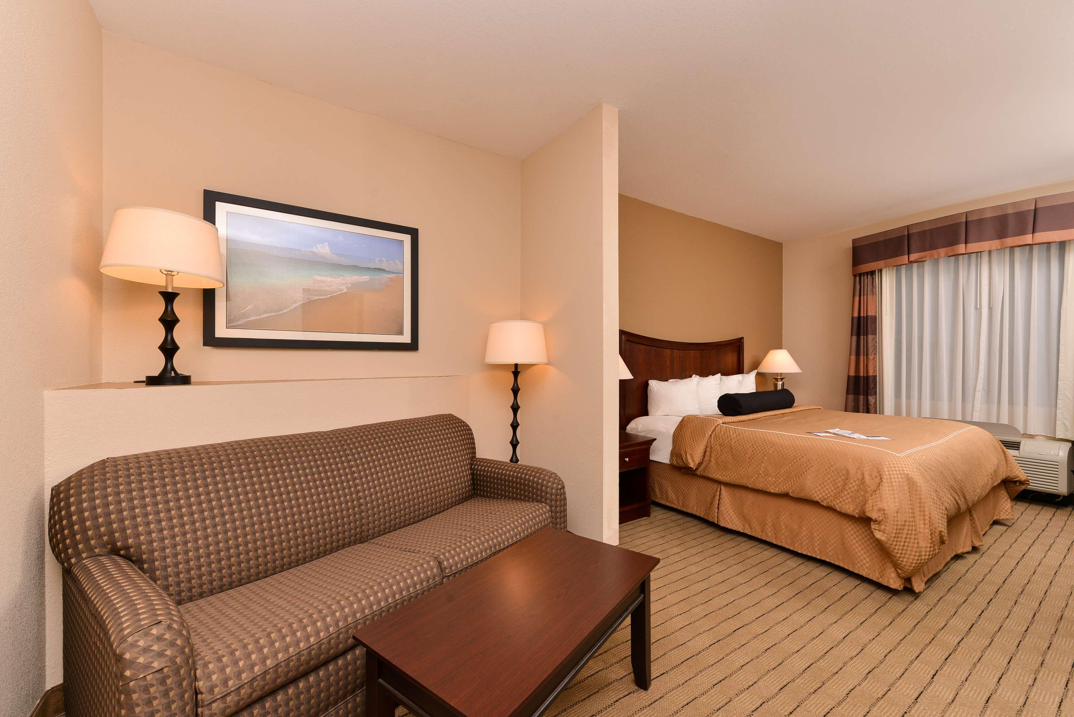 Best Western Plus Daphne Inn & Suites image 12