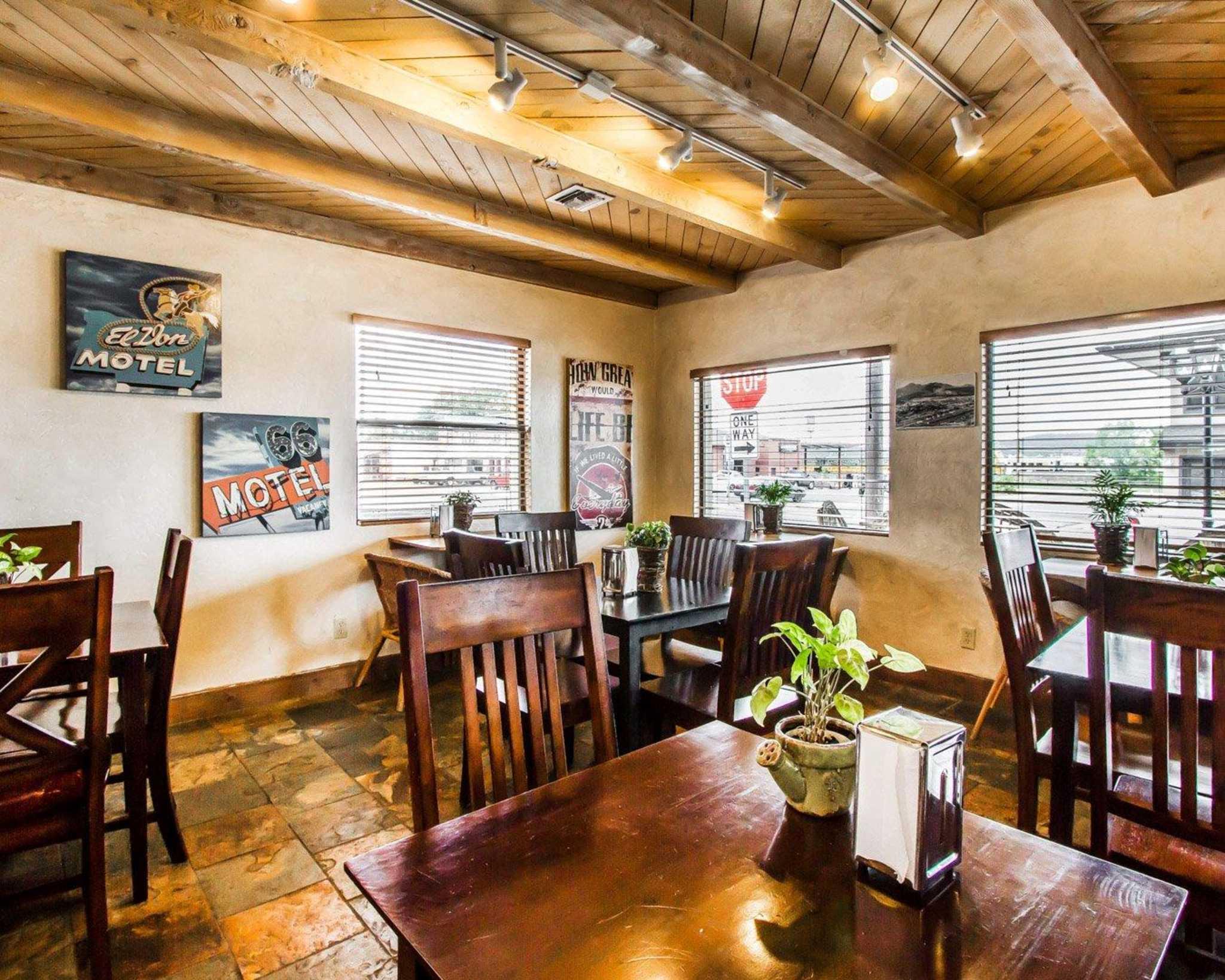 Rodeway Inn & Suites Downtowner-Rte 66 image 21