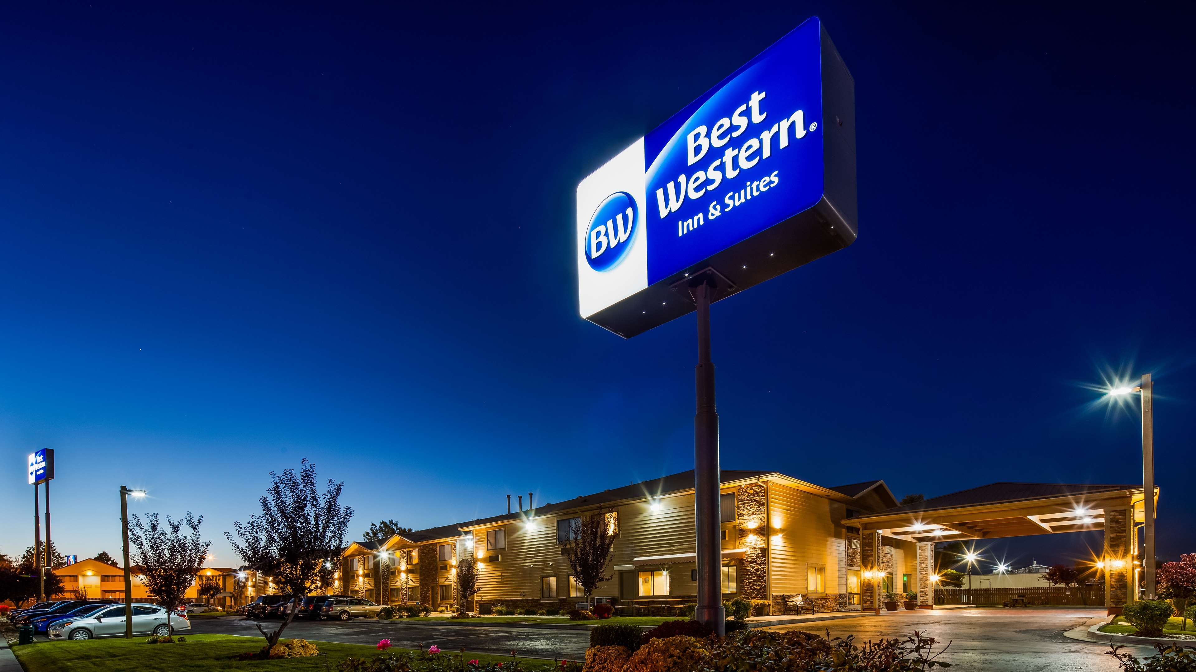 Best Western Inn & Suites image 0