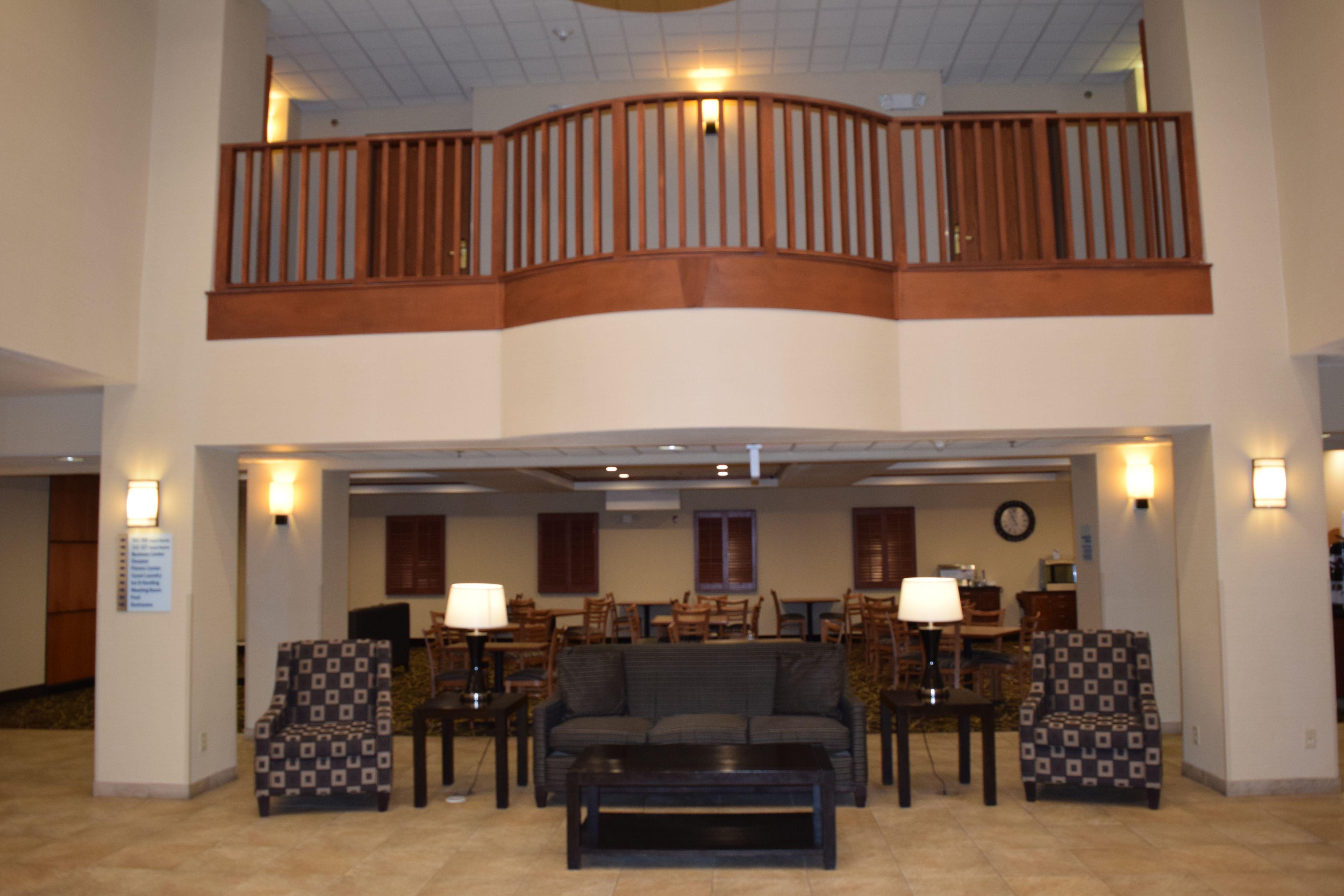 Holiday Inn Express Syracuse-Fairgrounds image 5