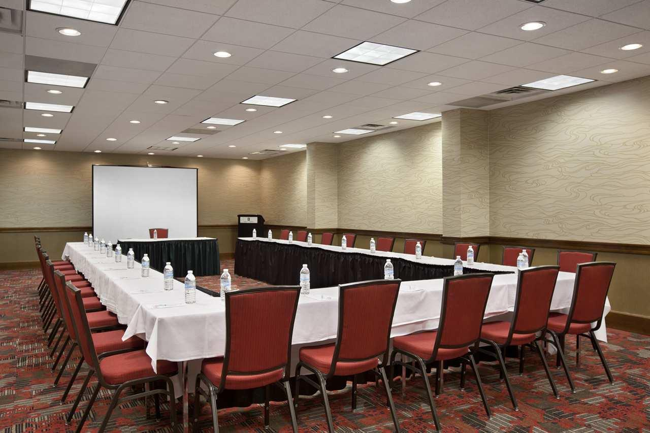 Embassy Suites by Hilton Atlanta Perimeter Center image 13