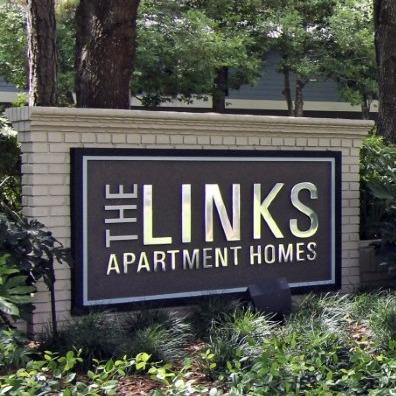 Links at Windsor Parke Apartments