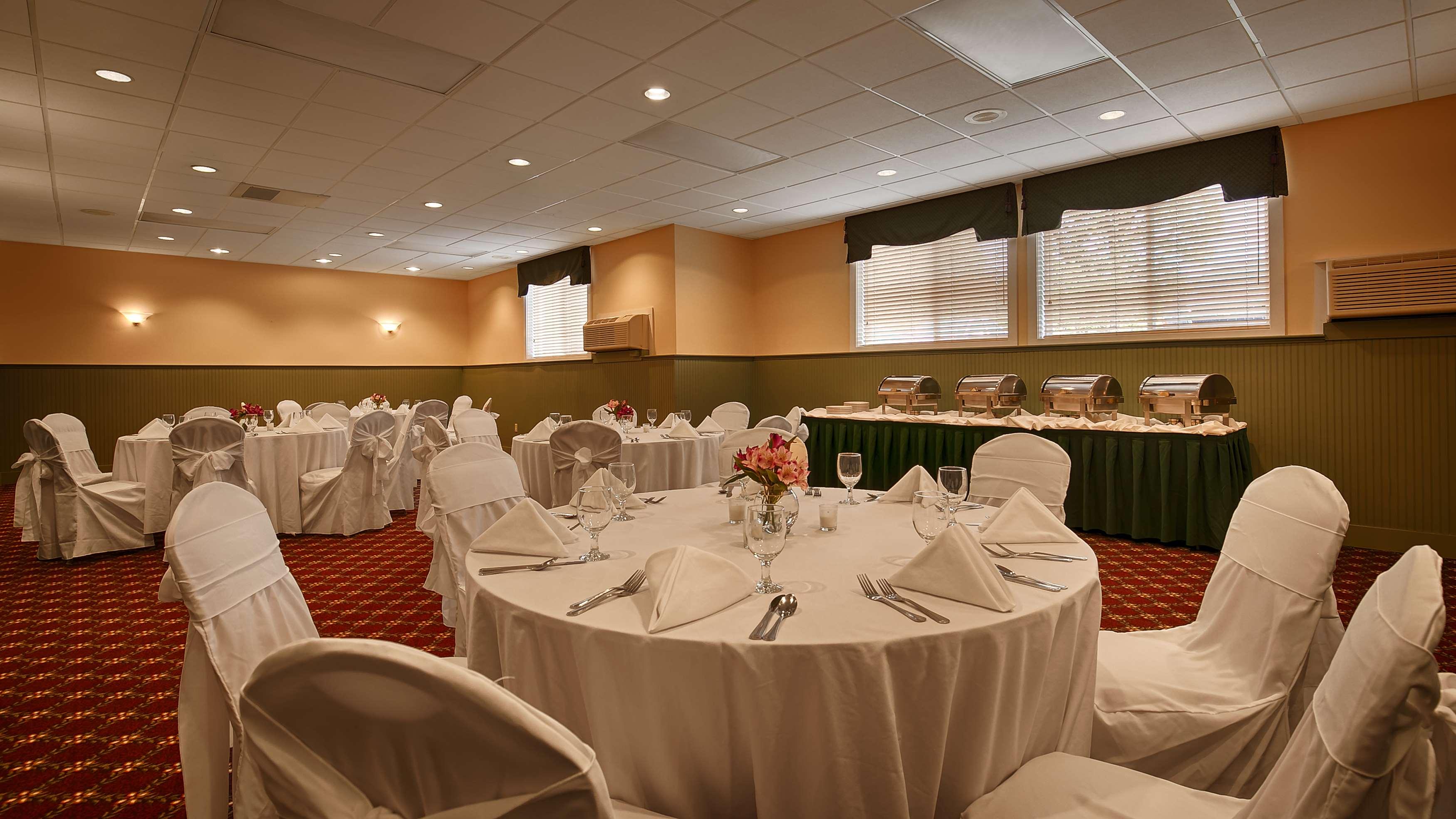 Best Western Plus Windjammer Inn & Conference Center image 35