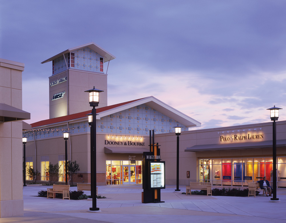 Chicago Premium Outlets image 2