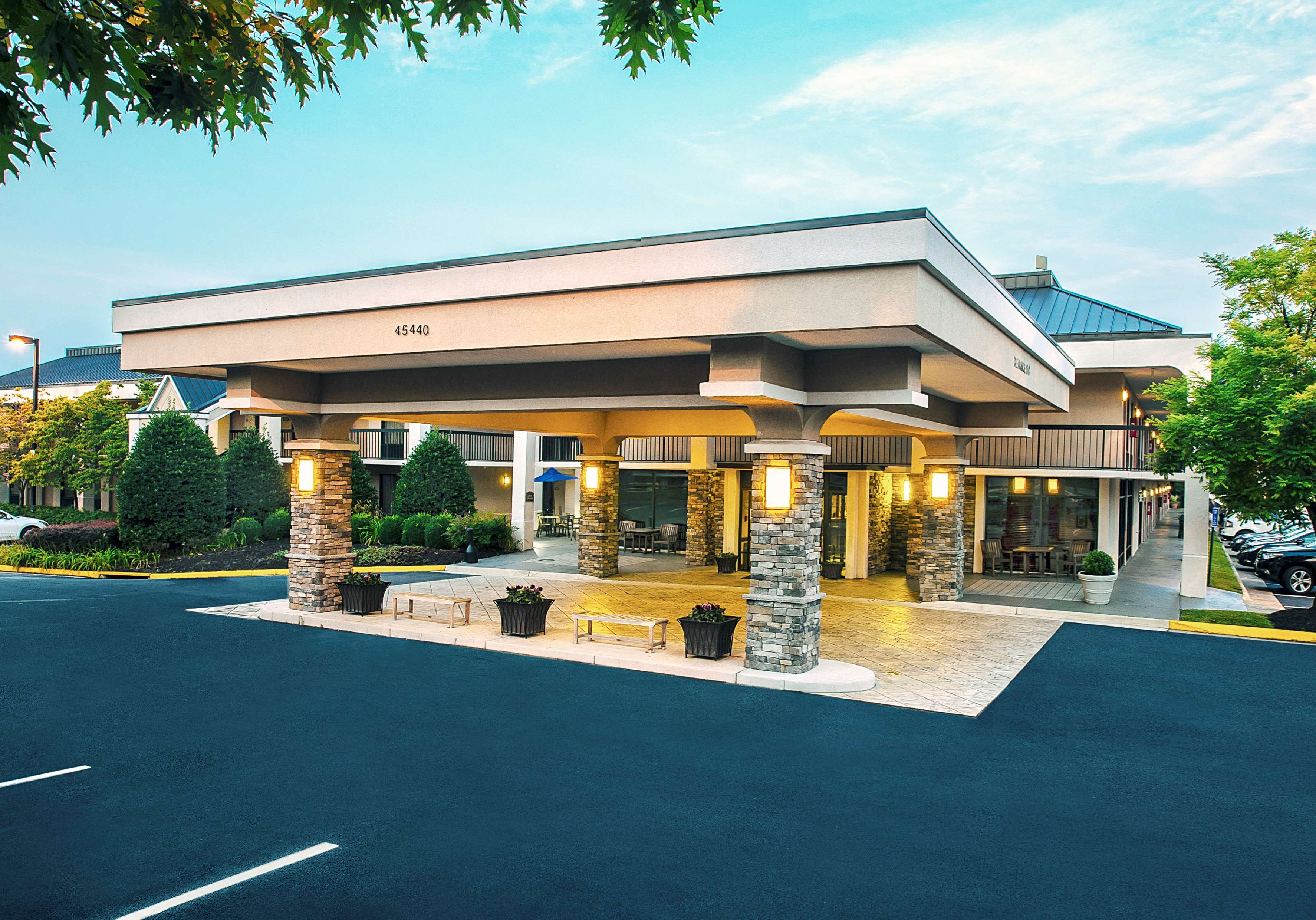 Best Western Dulles Airport Inn image 0