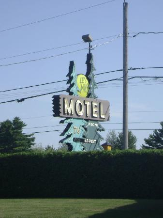 Motel Les Pins in Granby