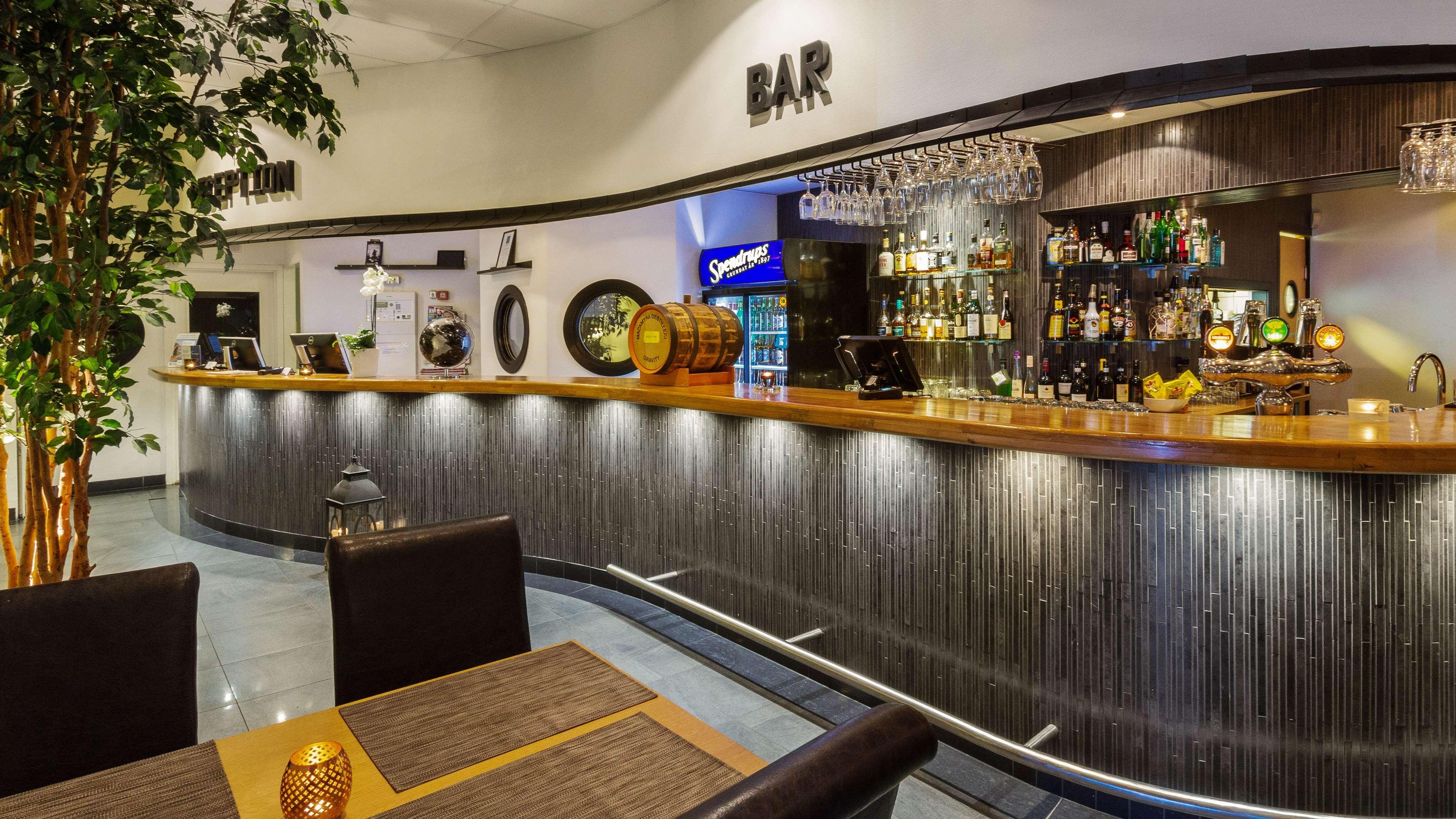 Reception Bar