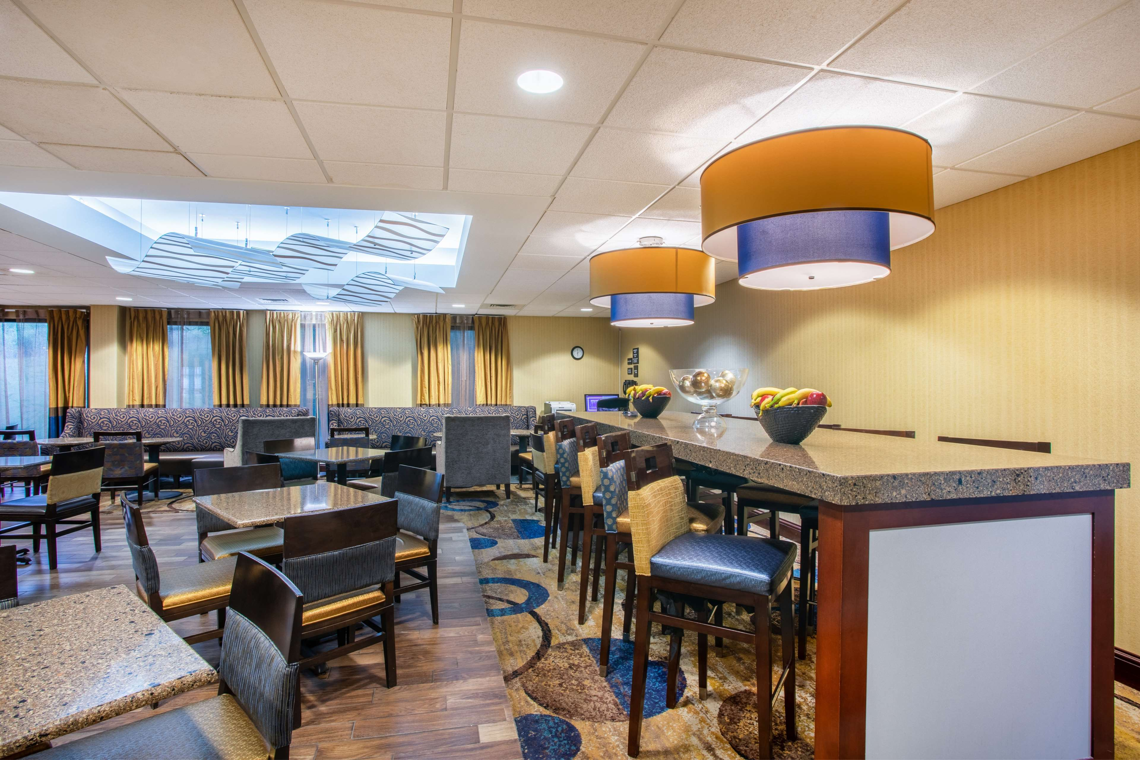 Hampton Inn Fishkill image 6