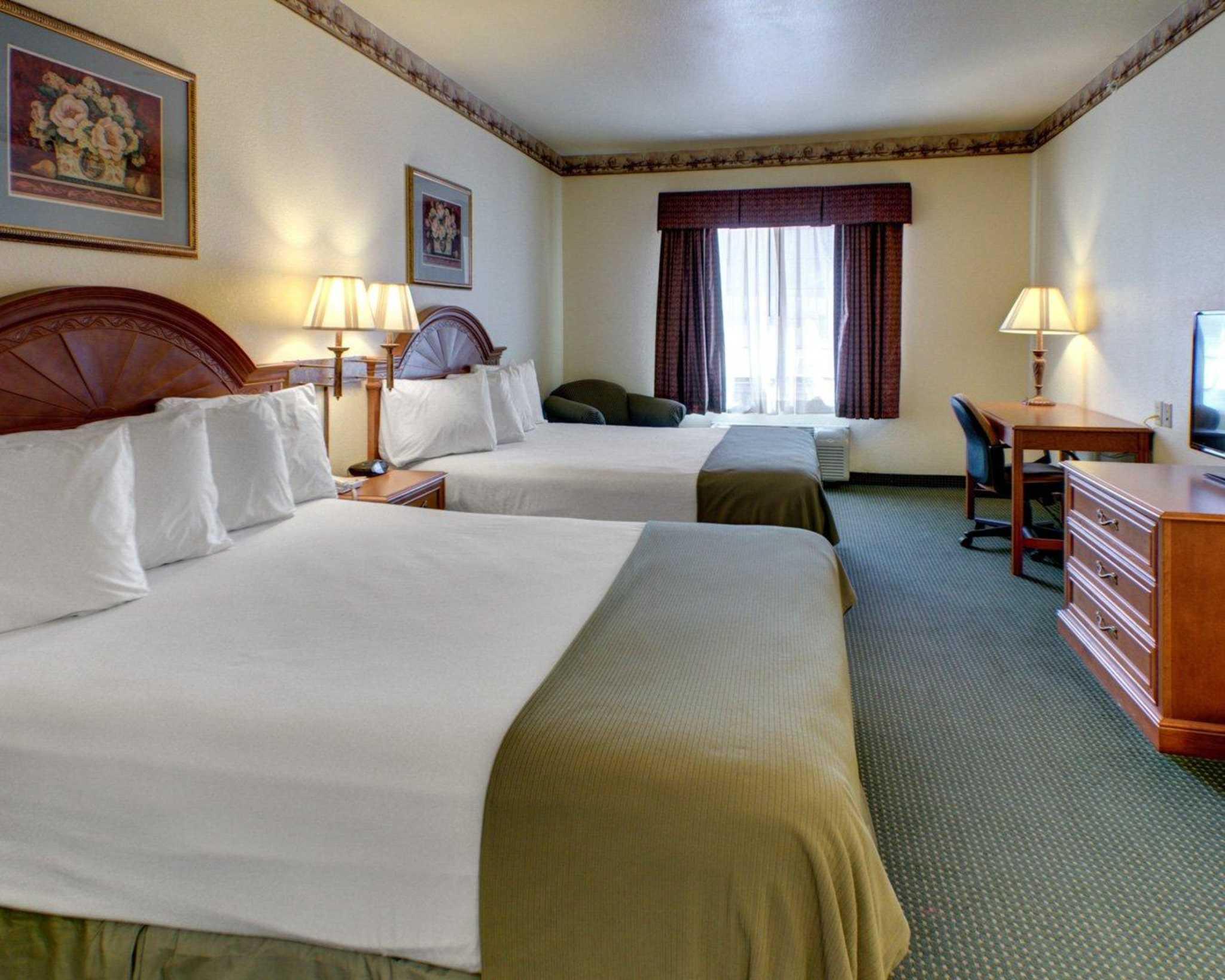 Quality Inn & Suites image 5