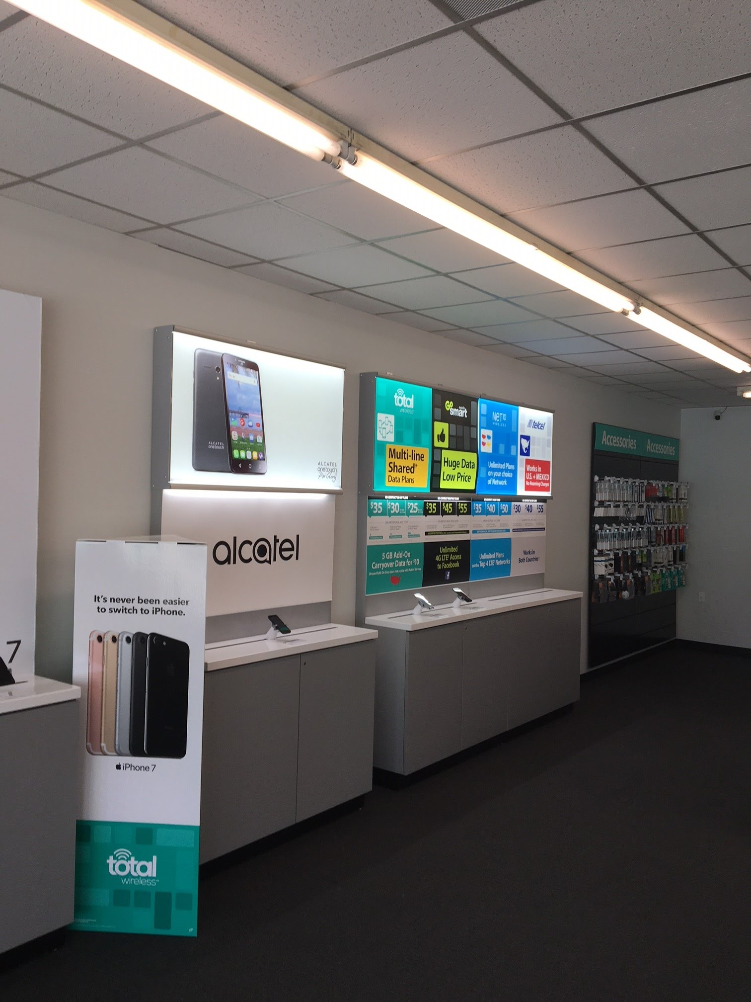 Total Wireless Store image 2