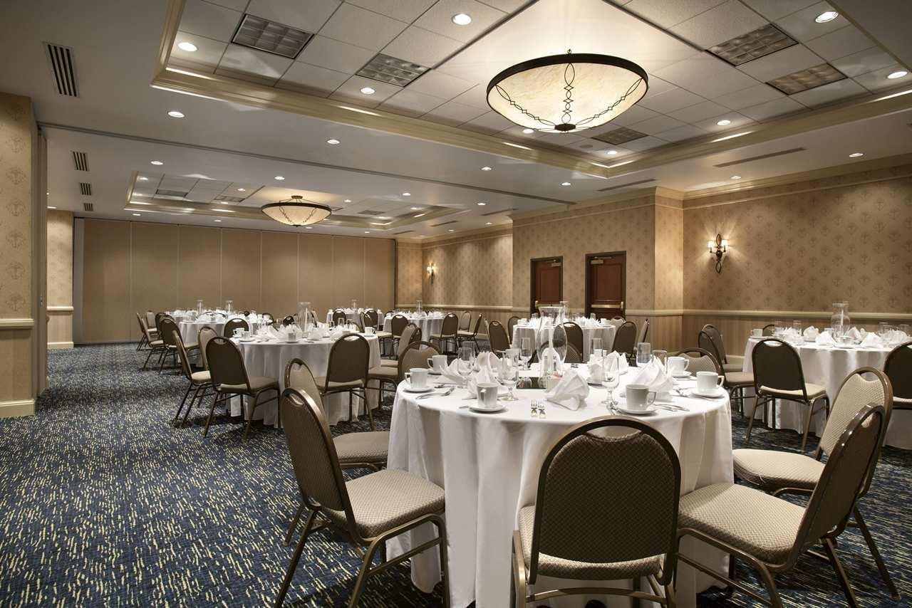 Embassy Suites by Hilton Denver International Airport image 14