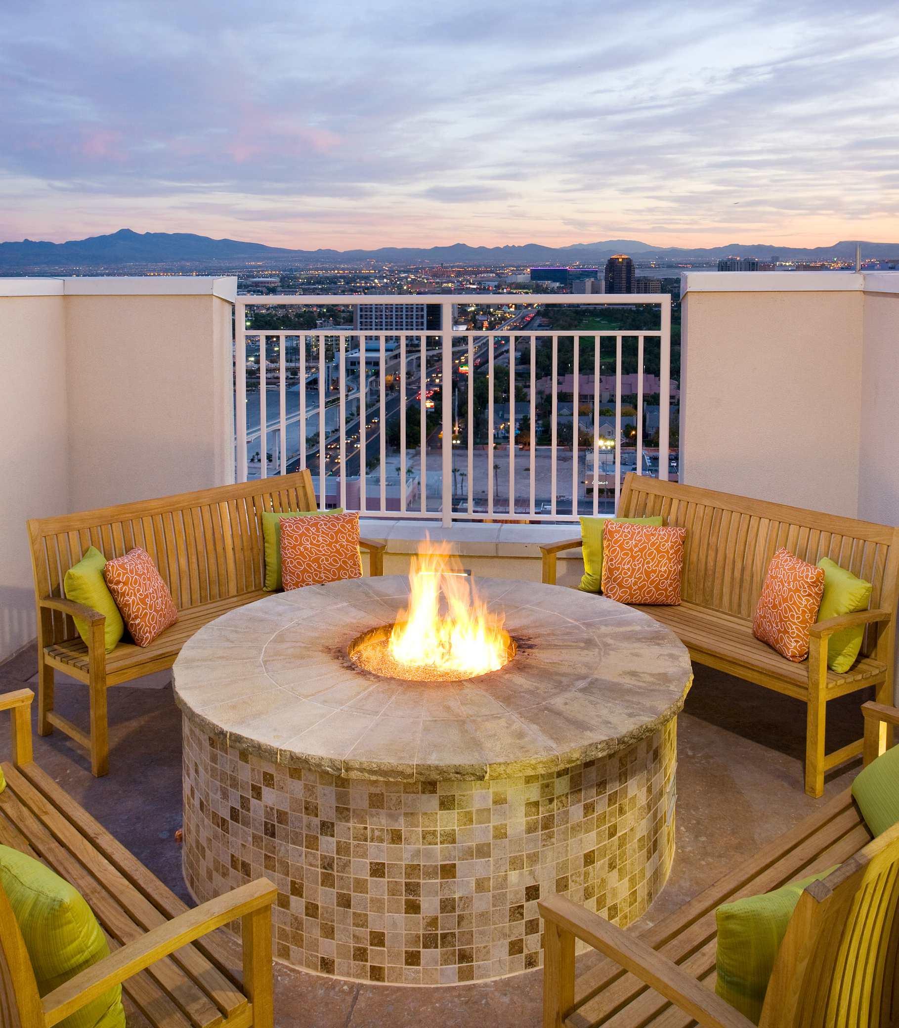 SpringHill Suites by Marriott Las Vegas Convention Center image 11
