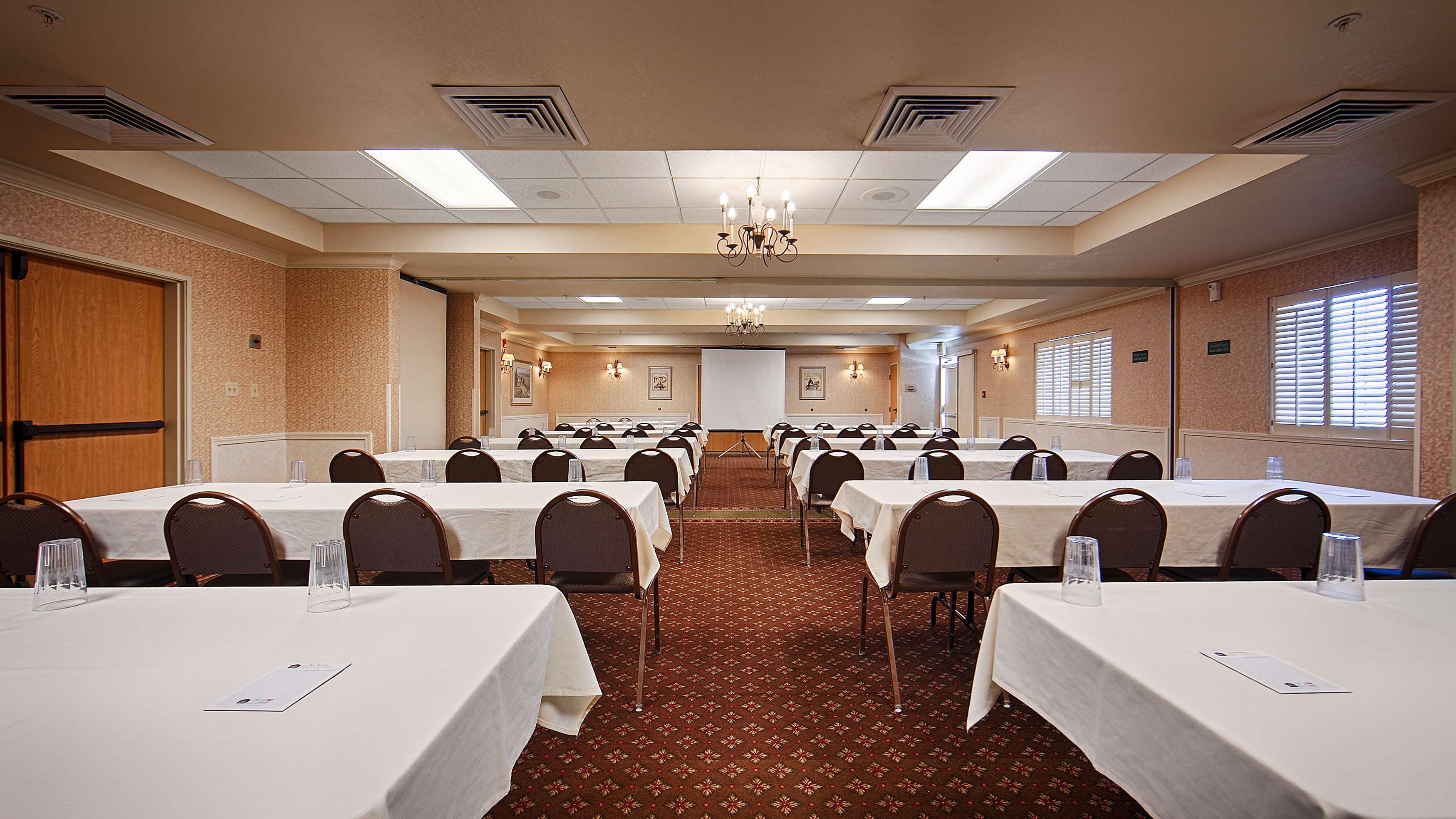 Best Western Plus Caldwell Inn & Suites image 40