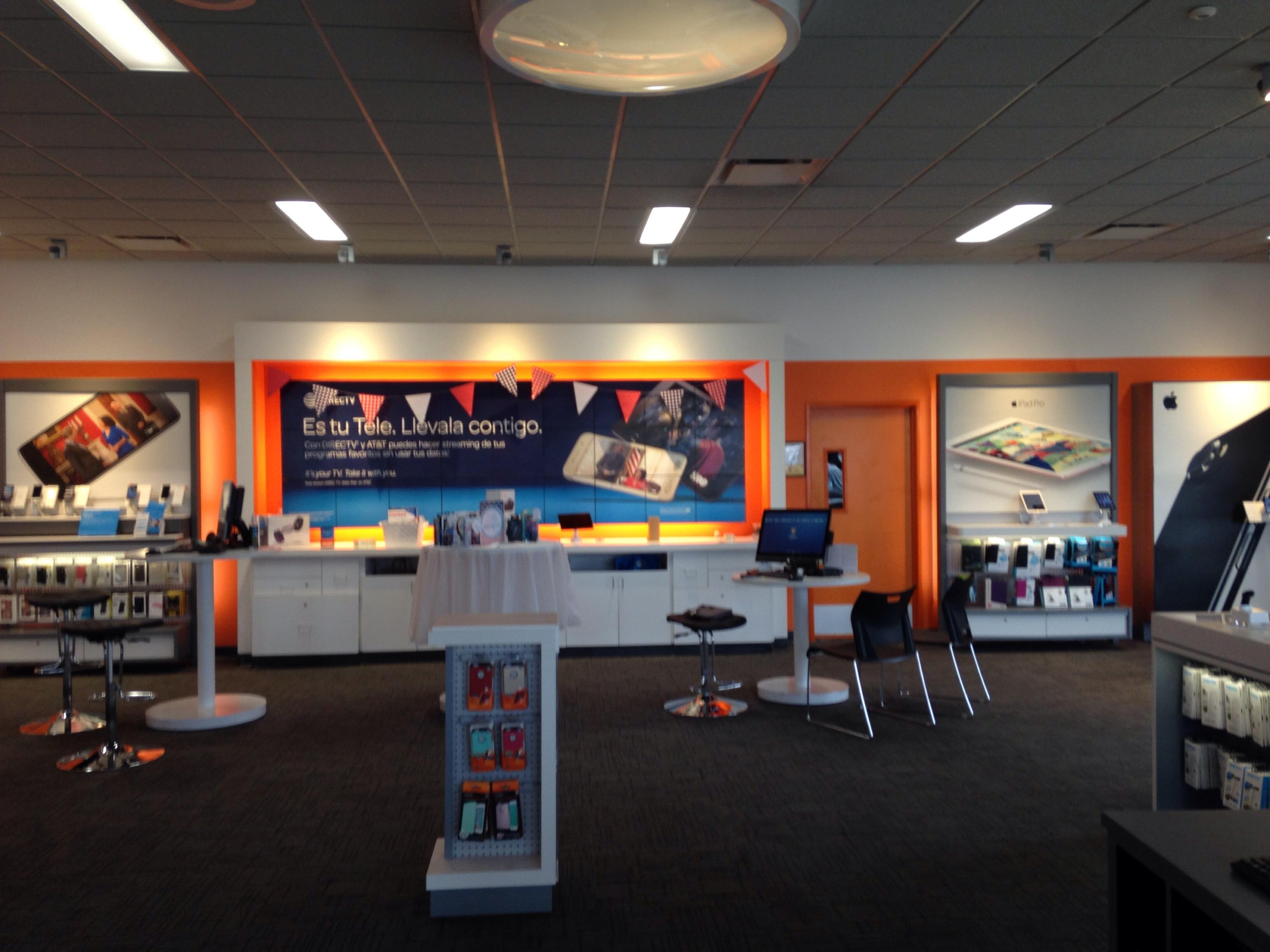 AT&T Store image 4
