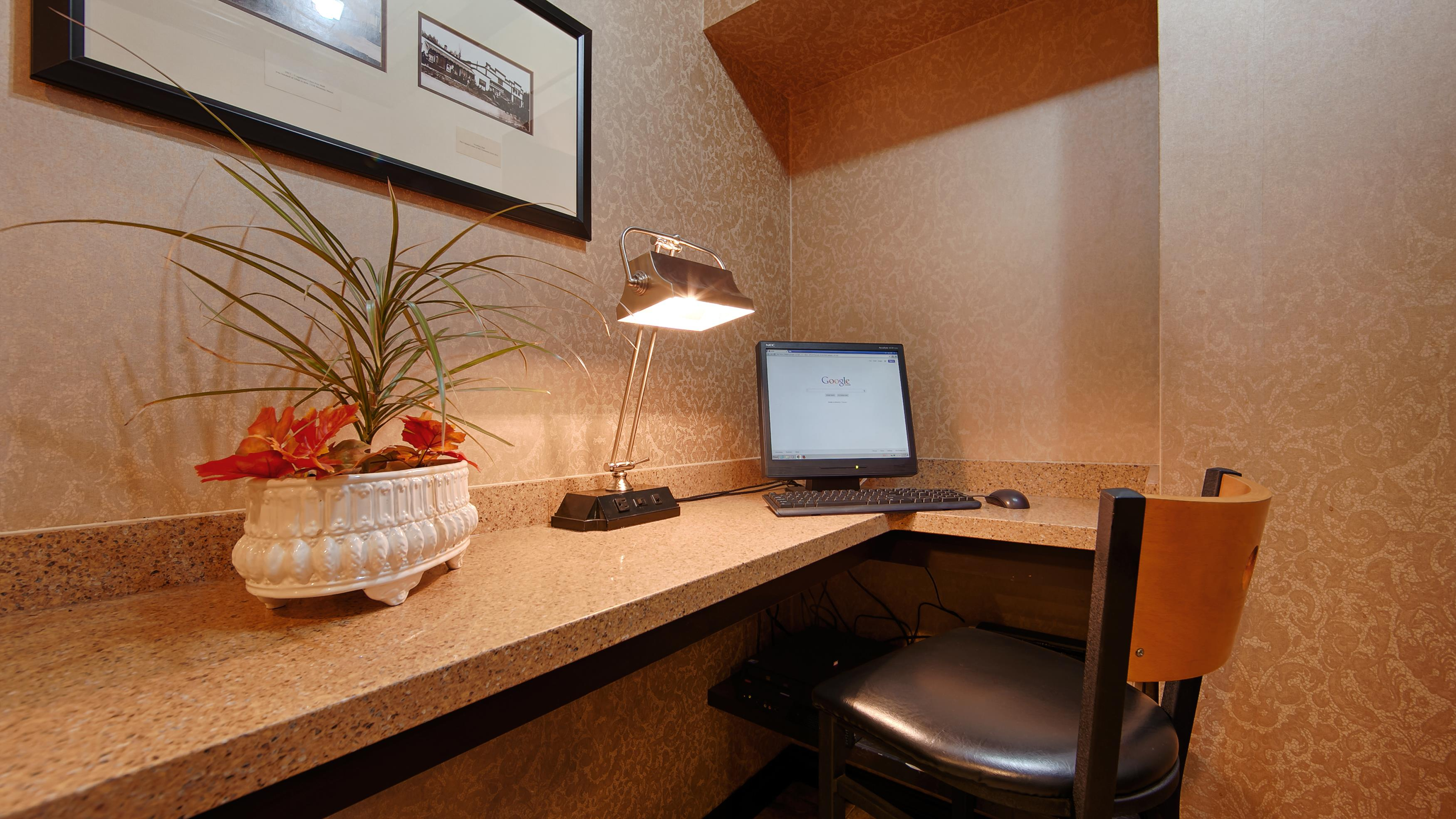 Best Western Chelsea Inn in Coquitlam: Business Center
