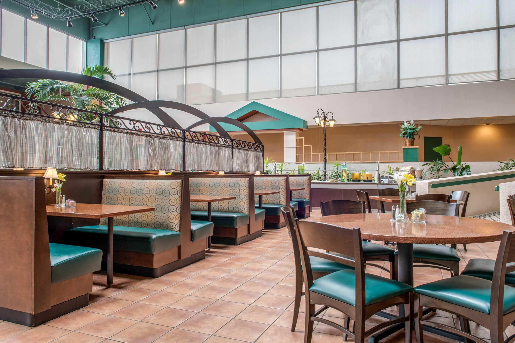 Quality Hotel - Cincinnati Blue Ash image 31