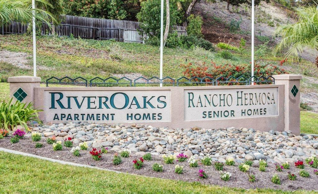 River Oaks image 32