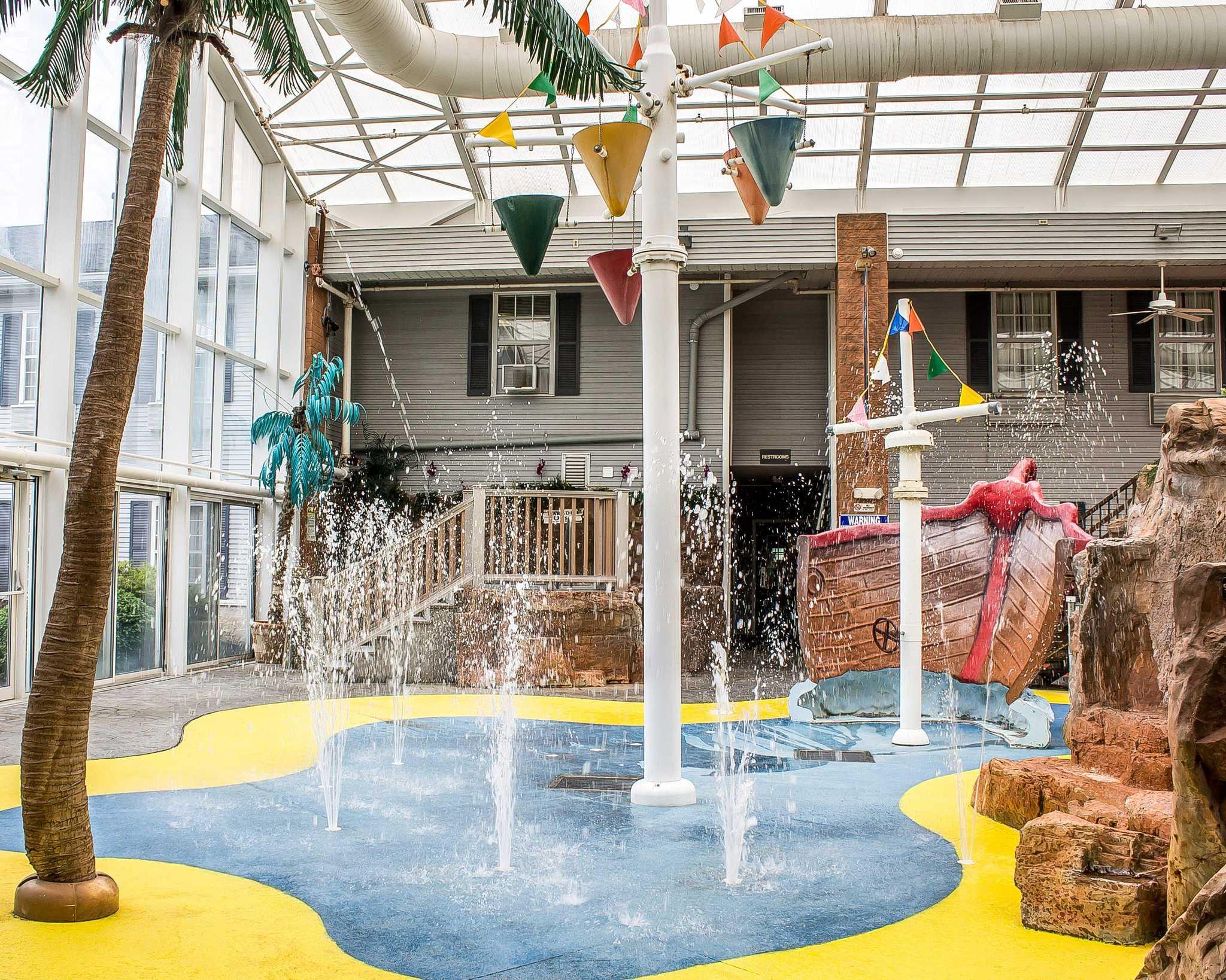 Comfort Inn Splash Harbor image 19
